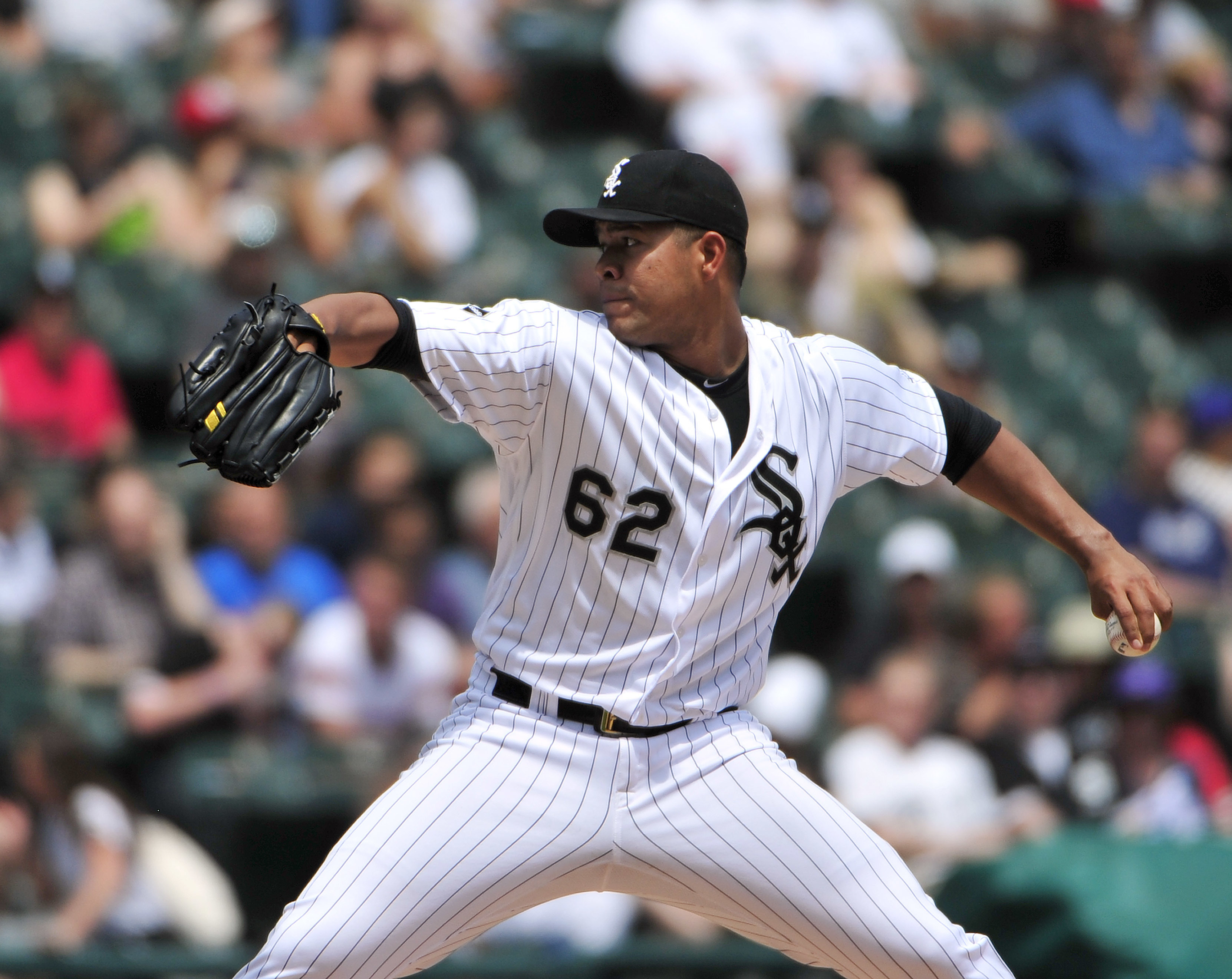 Chicago White Sox starting pitcher Jose Quintana throws against the Cleveland Indians during the second inning of a baseball game, Wednesday, May 25, 2016, in Chicago. (AP Photo/David Banks)