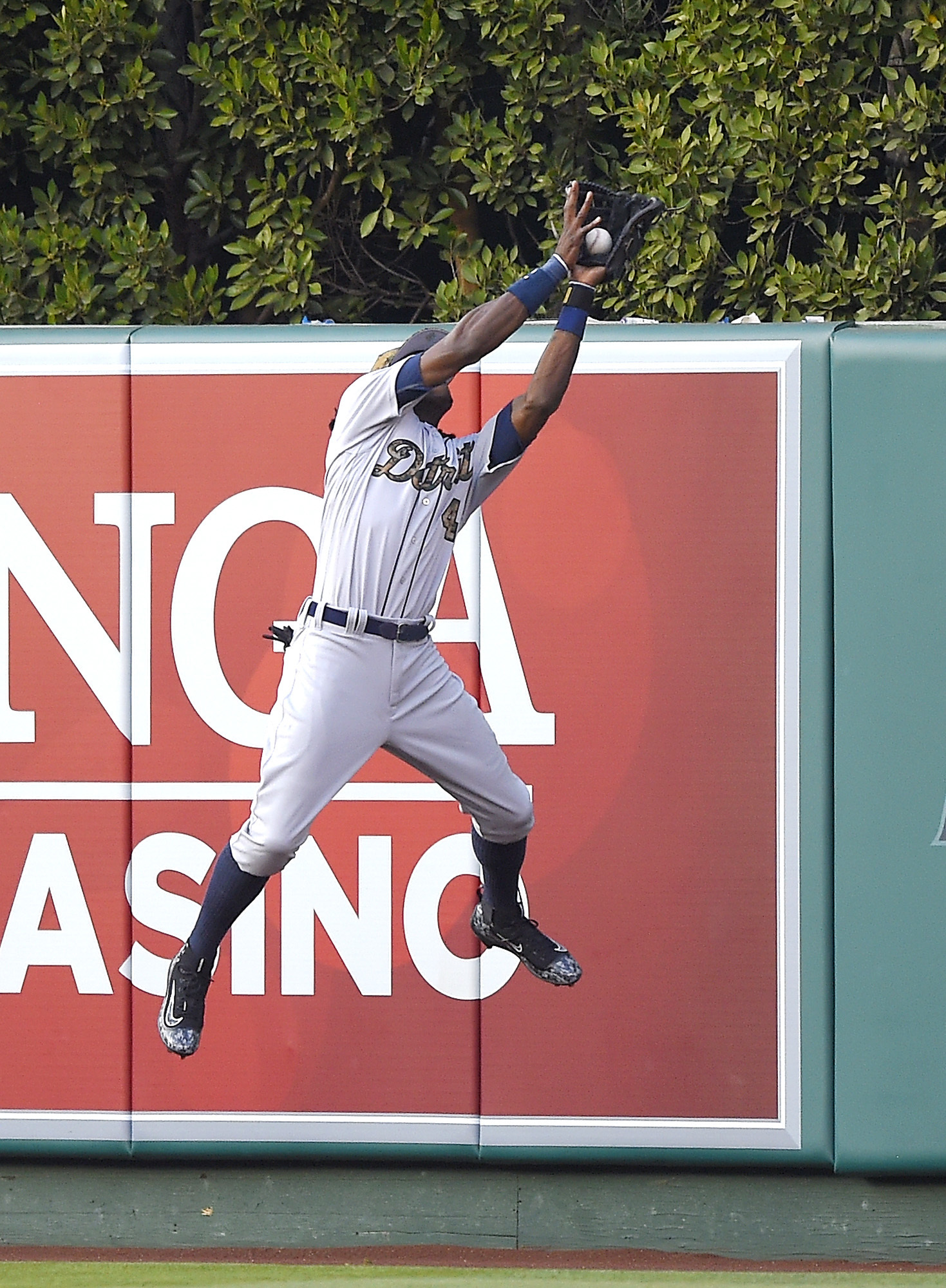 Detroit Tigers center fielder Cameron Maybin makes a catch on a ball hit by Los Angeles Angels' Kole Calhoun during the fifth inning of a baseball game, Monday, May 30, 2016, in Anaheim, Calif. (AP Photo/Mark J. Terrill)