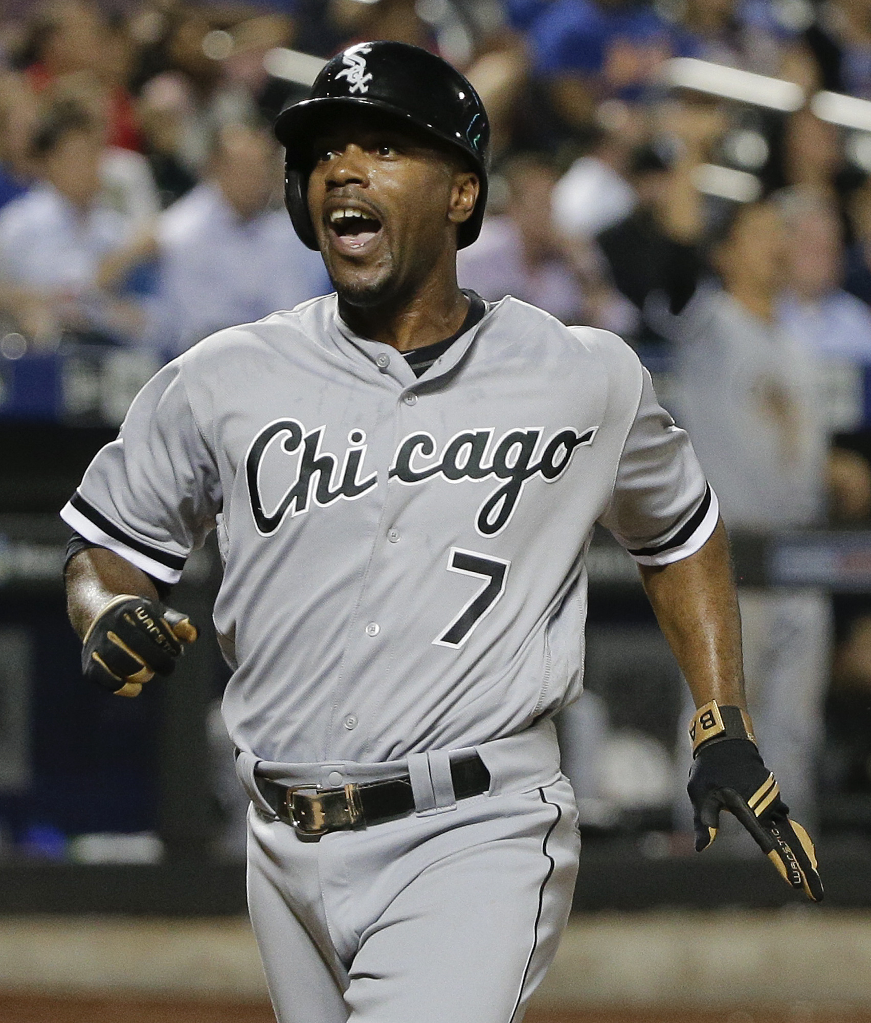 Chicago White Sox's Jimmy Rollins (7) reacts after scoring against the New York Mets on a base hit by Brett Lawrie during the eighth inning of a baseball game, Tuesday, May 31, 2016, in New York. The White Sox won 6-4.(AP Photo/Julie Jacobson)