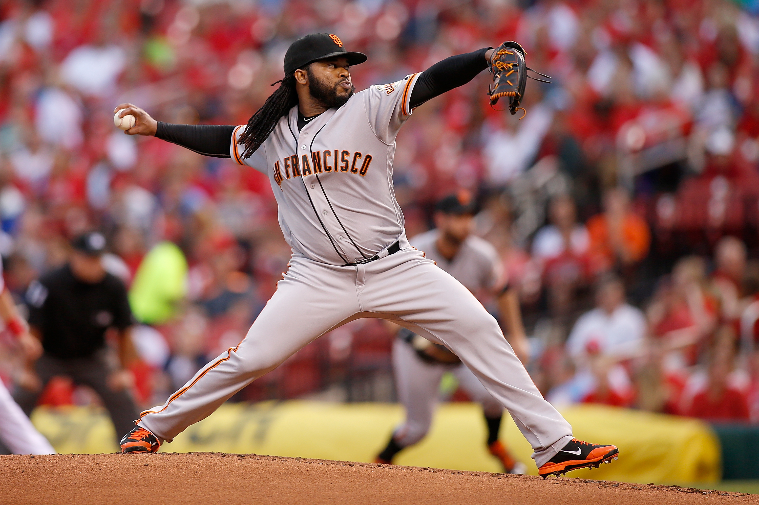 San Francisco Giants starting pitcher Johnny Cueto throws against the St. Louis Cardinals during the first inning of a baseball game Friday, June 3, 2016, in St. Louis. (AP Photo/Scott Kane)