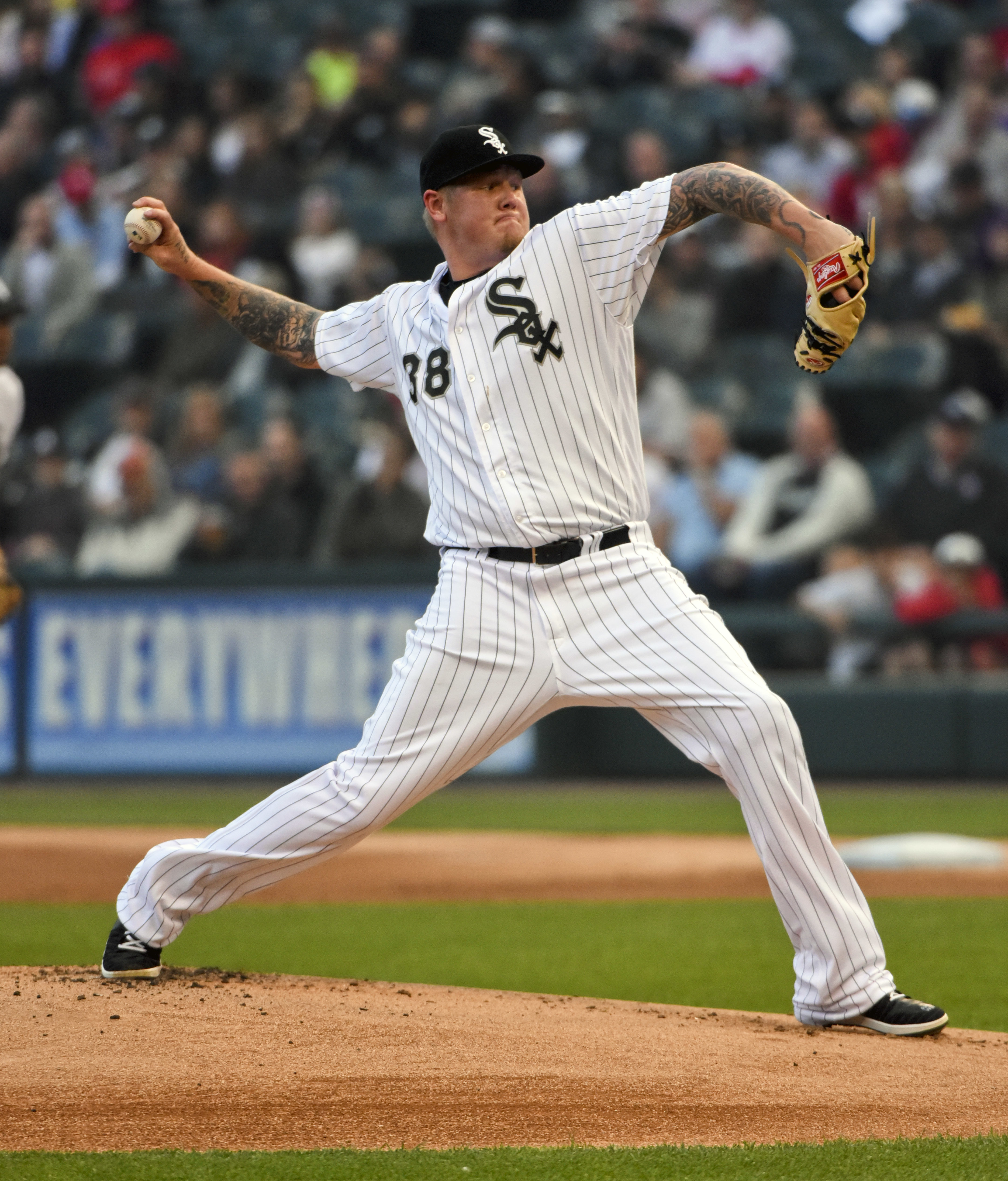 Chicago White Sox's starting pitcher Mat Latos delivers against the Washington Nationals during the first inning of a baseball game in Chicago on Tuesday, June 7, 2016. (AP Photo/Matt Marton)