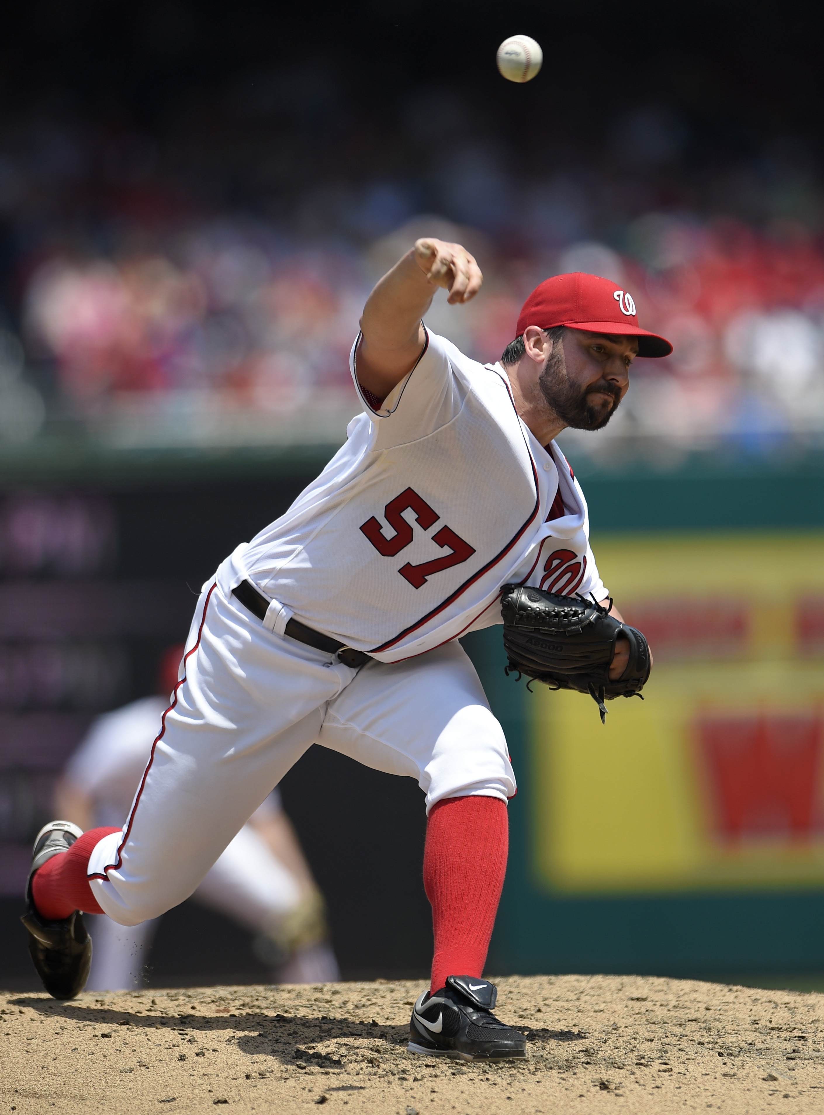 Washington Nationals starting pitcher Tanner Roark delivers a pitch during the fourth inning of a baseball game against the Philadelphia Phillies, Saturday, June 11, 2016, in Washington. (AP Photo/Nick Wass)