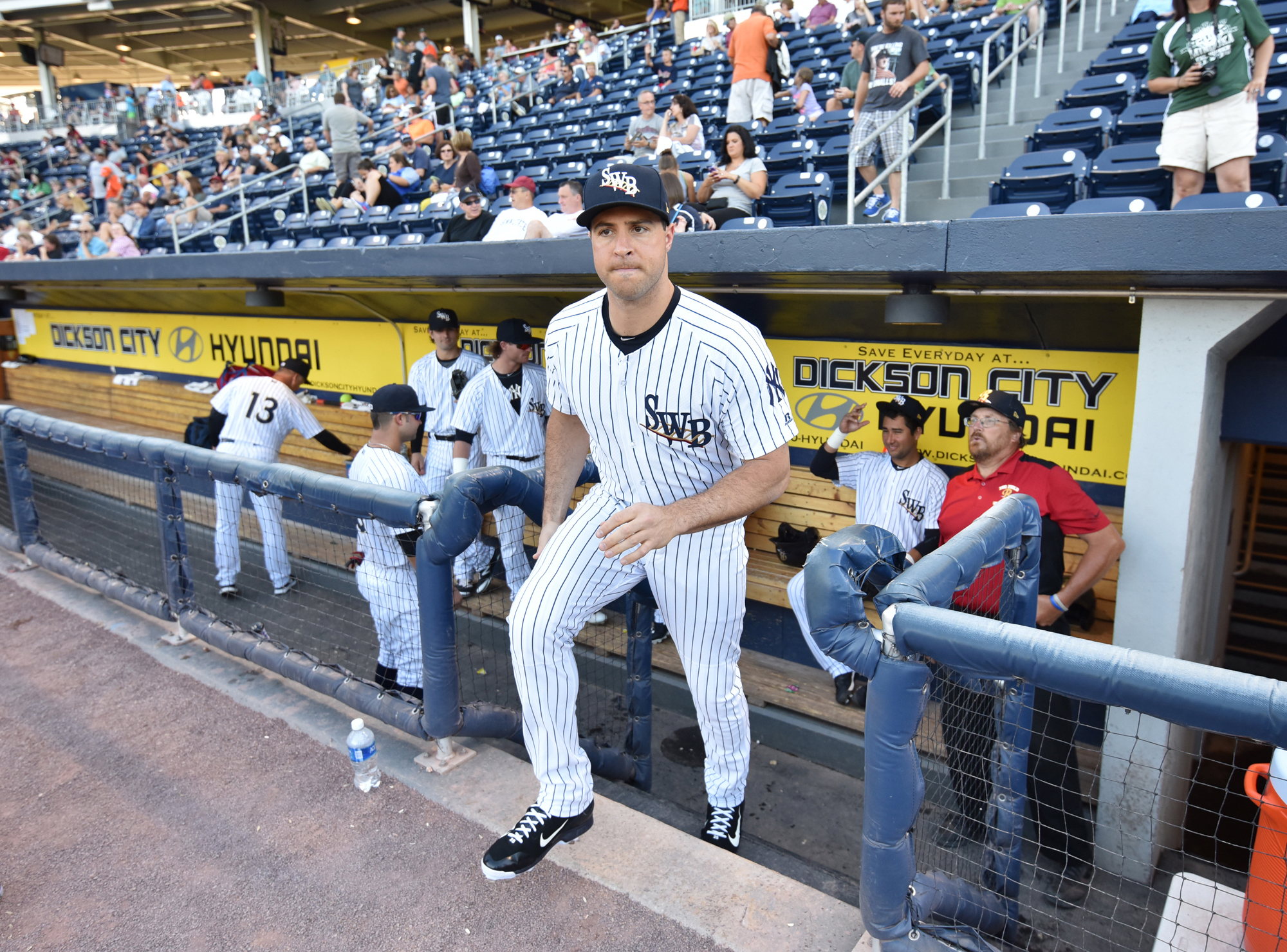 New York Yankees' Mark Teixeira, playing for the Scranton/Wilkes-Barre RailRiders, takes the field to warm up before the game against Toledo Mud Hens at PNC Field on Wednesday, June 22, 2016 in Moosic, Pa. Teixeira is on rehab assignment. (Jason Farmer/Th
