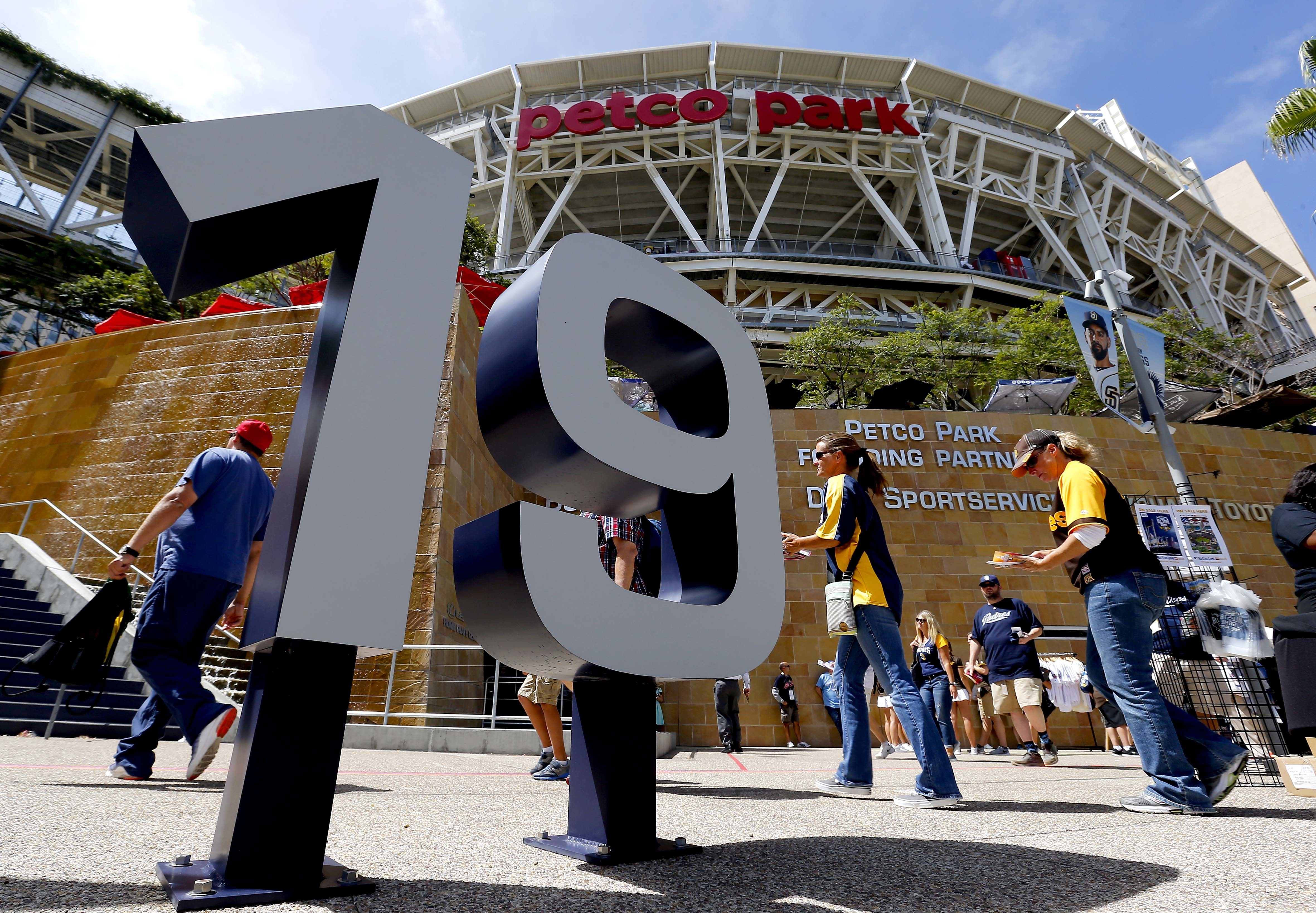 Fans arrive at Petco Park prior to the MLB baseball All-Star Home Run Derby, Monday, July 11, 2016, in San Diego. (AP Photo/Matt York)