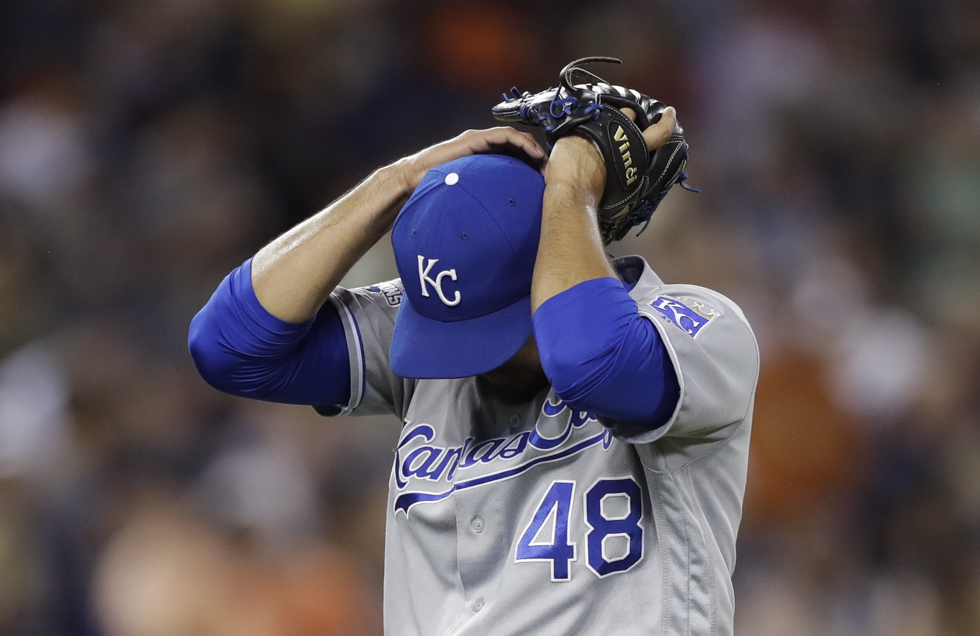 Kansas City Royals relief pitcher Joakim Soria reacts as he walks to the dugout after giving up a two-run single to Detroit Tigers designated hitter Victor Martinez (41) during the seventh inning of a baseball game, Friday, July 15, 2016 in Detroit. (AP P