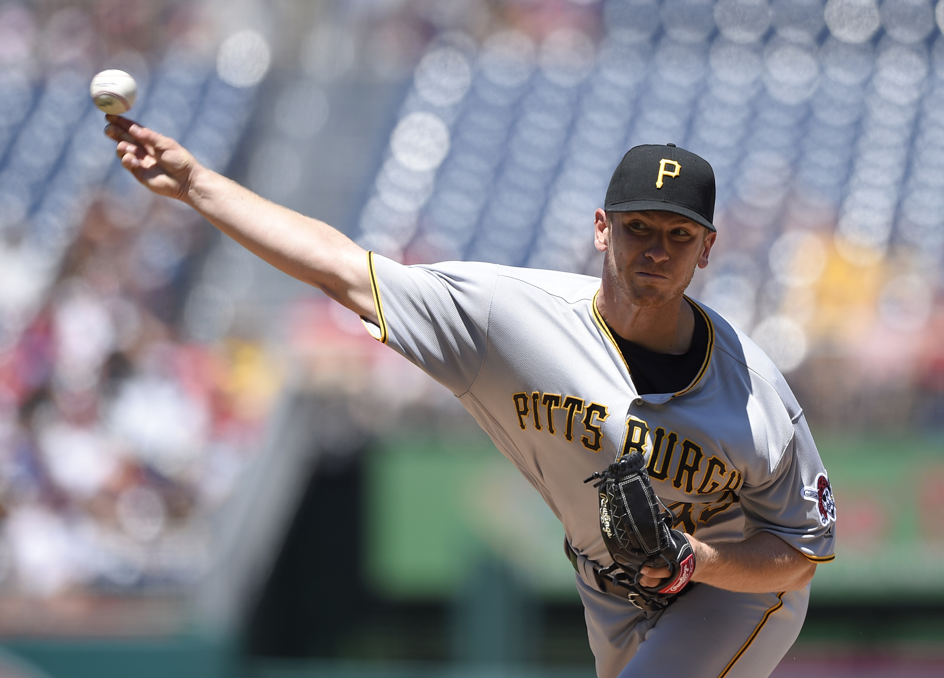 Pittsburgh Pirates starting pitcher Chad Kuhl delivers during the first inning of a baseball game against the Washington Nationals, Sunday, July 17, 2016, in Washington. (AP Photo/Nick Wass)