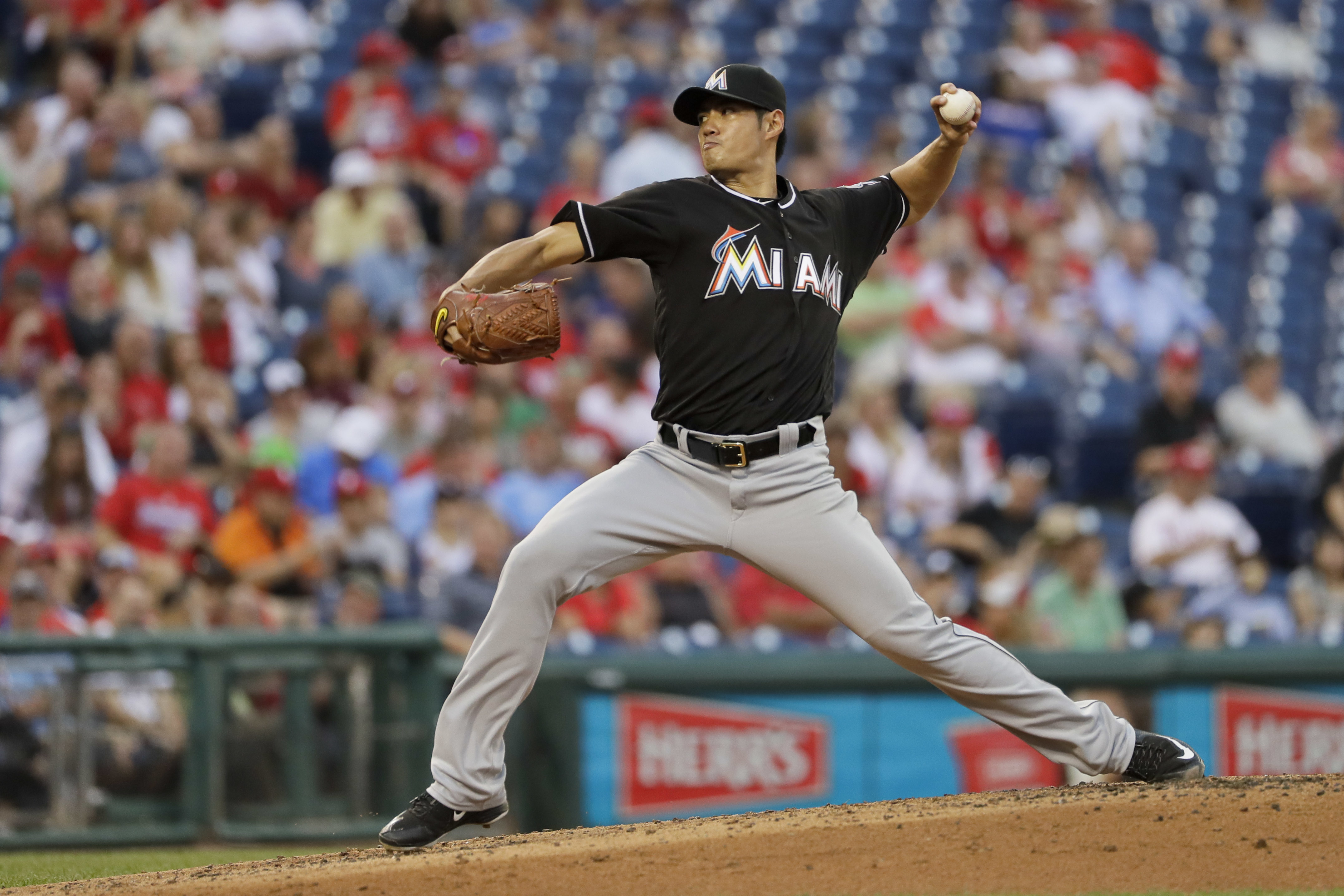 Miami Marlins' Wei-Yin Chen pitches during the third inning of a baseball game against the Philadelphia Phillies, Wednesday, July 20, 2016, in Philadelphia. (AP Photo/Matt Slocum)