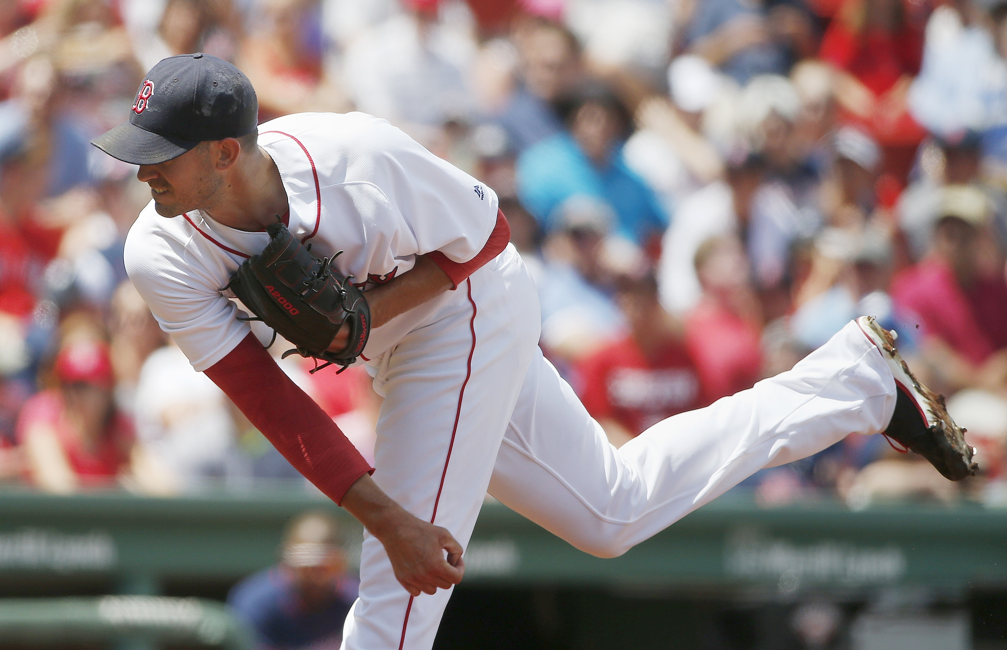 Boston Red Sox's Rick Porcello pitches during the first inning of a baseball game against the Minnesota Twins in Boston, Sunday, July 24, 2016. (AP Photo/Michael Dwyer)