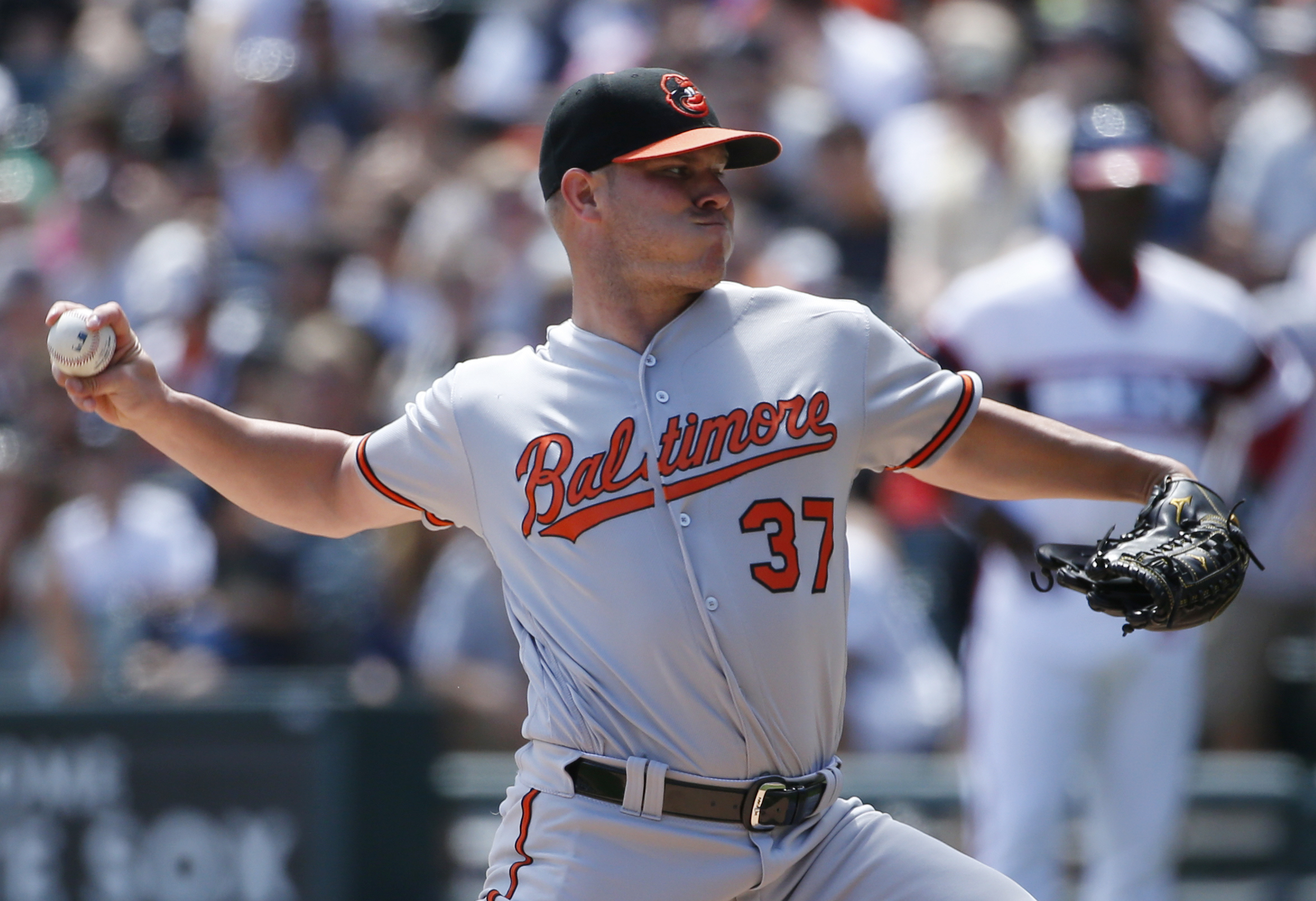 Baltimore Orioles starter Dylan Bundy throws against the Chicago White Sox during the first inning of a baseball game in Chicago, Sunday, Aug. 7, 2016. (AP Photo/Nam Y. Huh)