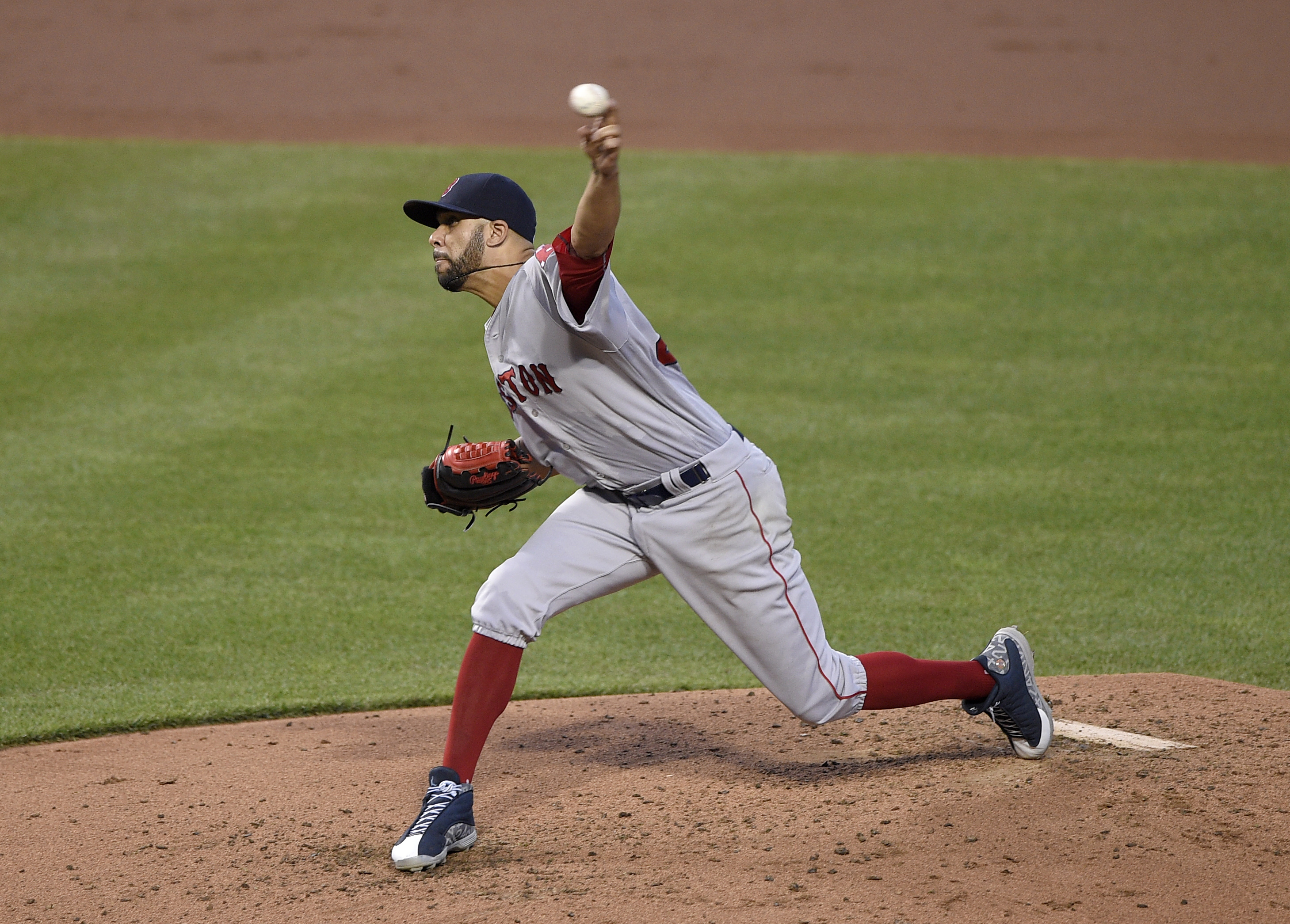 Boston Red Sox starter David Price delivers a pitch during the second inning of a baseball game against the Baltimore Orioles, Wednesday, Aug. 17, 2016, in Baltimore. (AP Photo/Nick Wass)