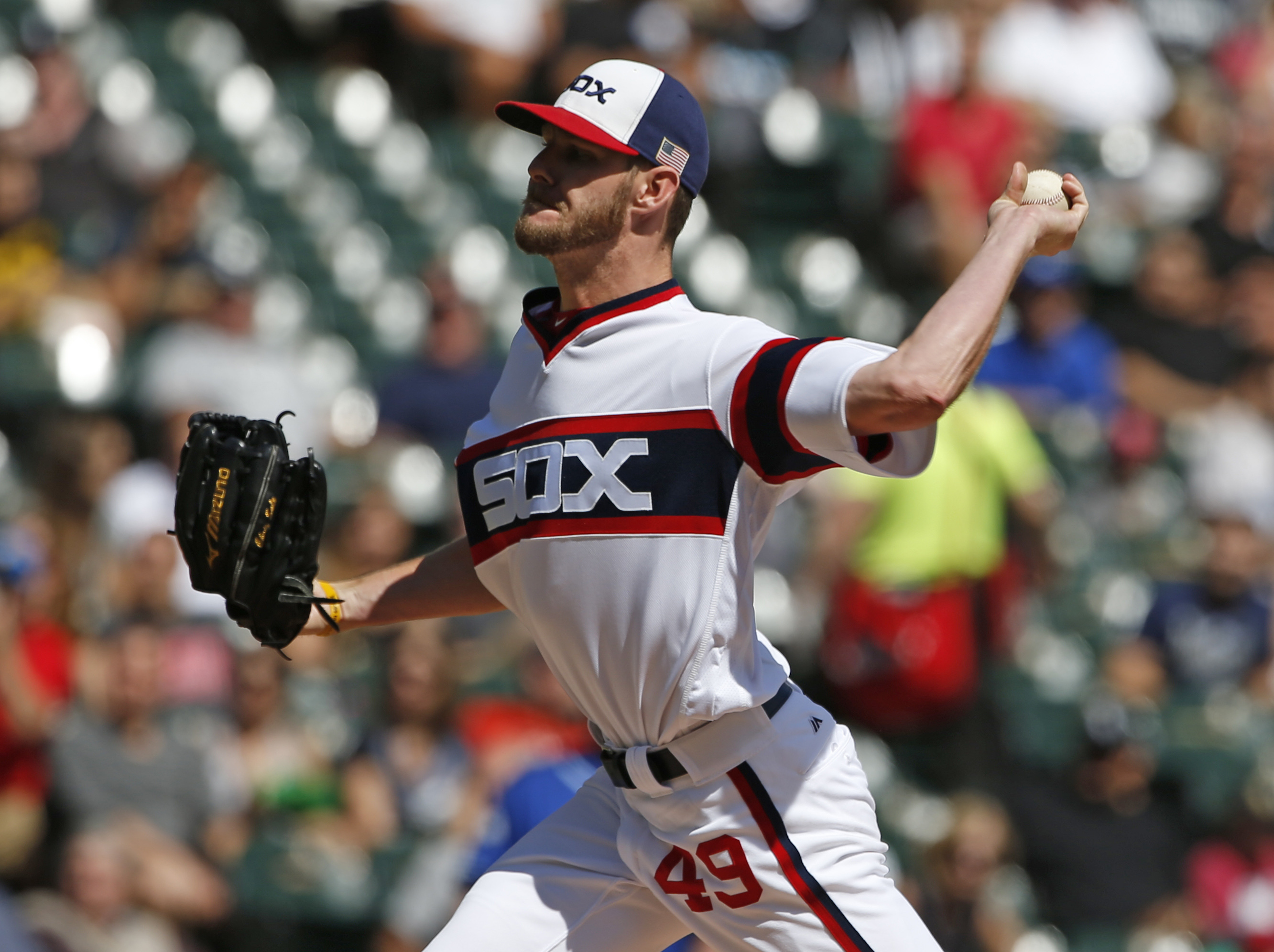 Chicago White Sox starter Chris Sale throws against the Kansas City Royals during the first inning of a baseball game Sunday, Sept. 11, 2016, in Chicago. (AP Photo/Nam Y. Huh)
