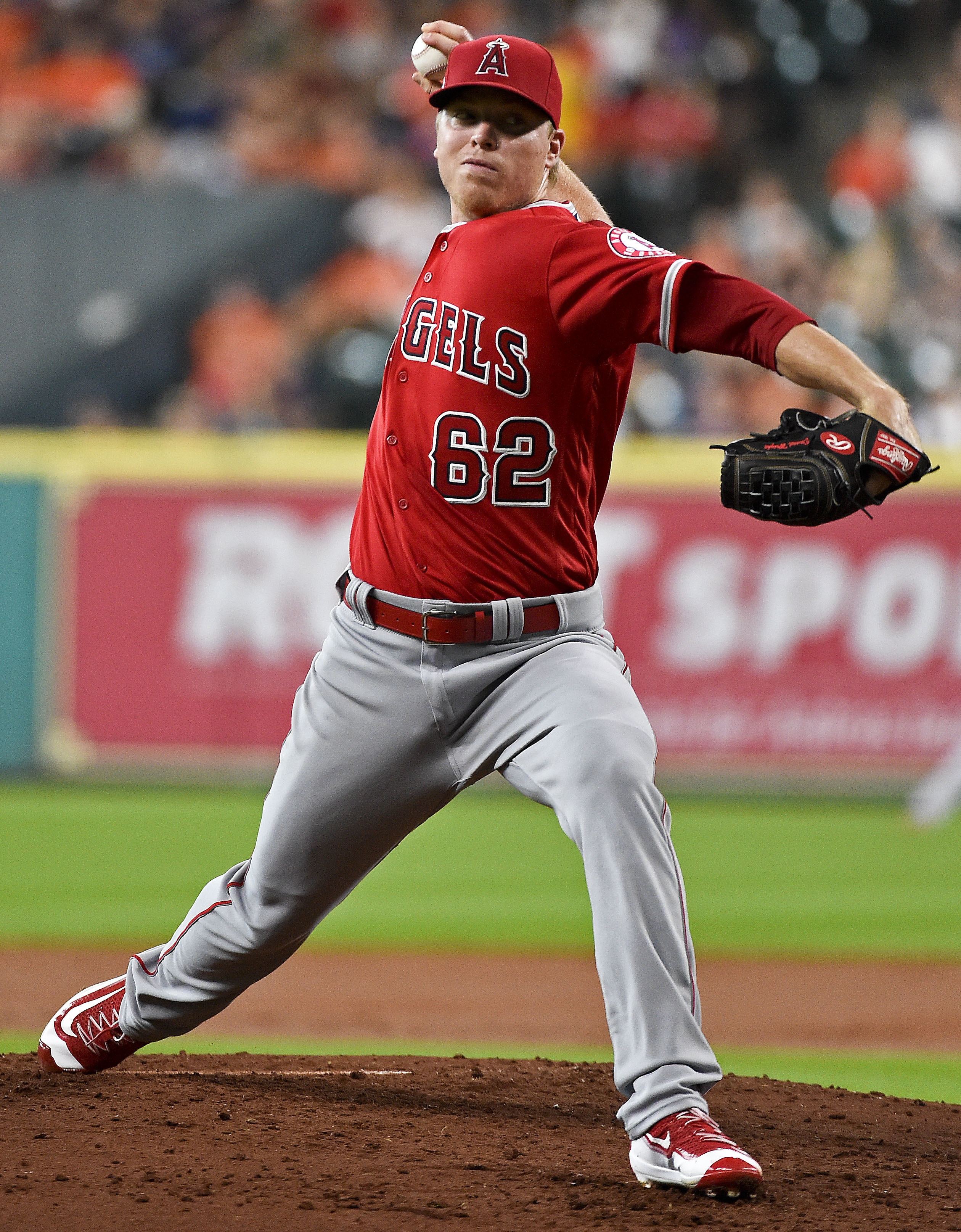 Los Angeles Angels starting pitcher Daniel Wright delivers in the second inning of a baseball game against the Houston Astros, Sunday, Sept. 25, 2016, in Houston. (AP Photo/Eric Christian Smith)