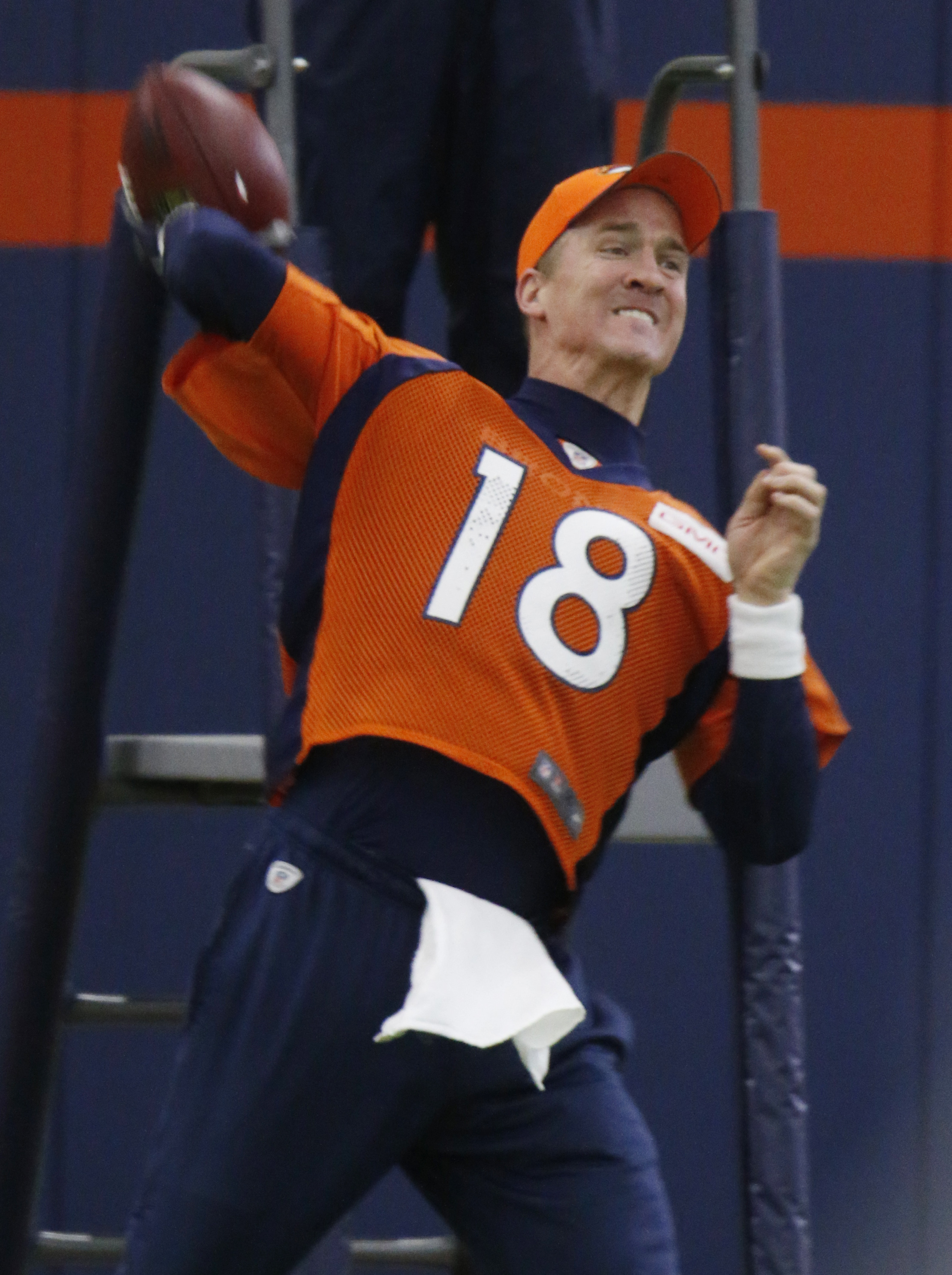 Denver Broncos quarterback Peyton Manning throws during the team's NFL football practice Thursday, Jan. 7, 2016, in Englewood, Colo. (AP Photo/David Zalubowski)