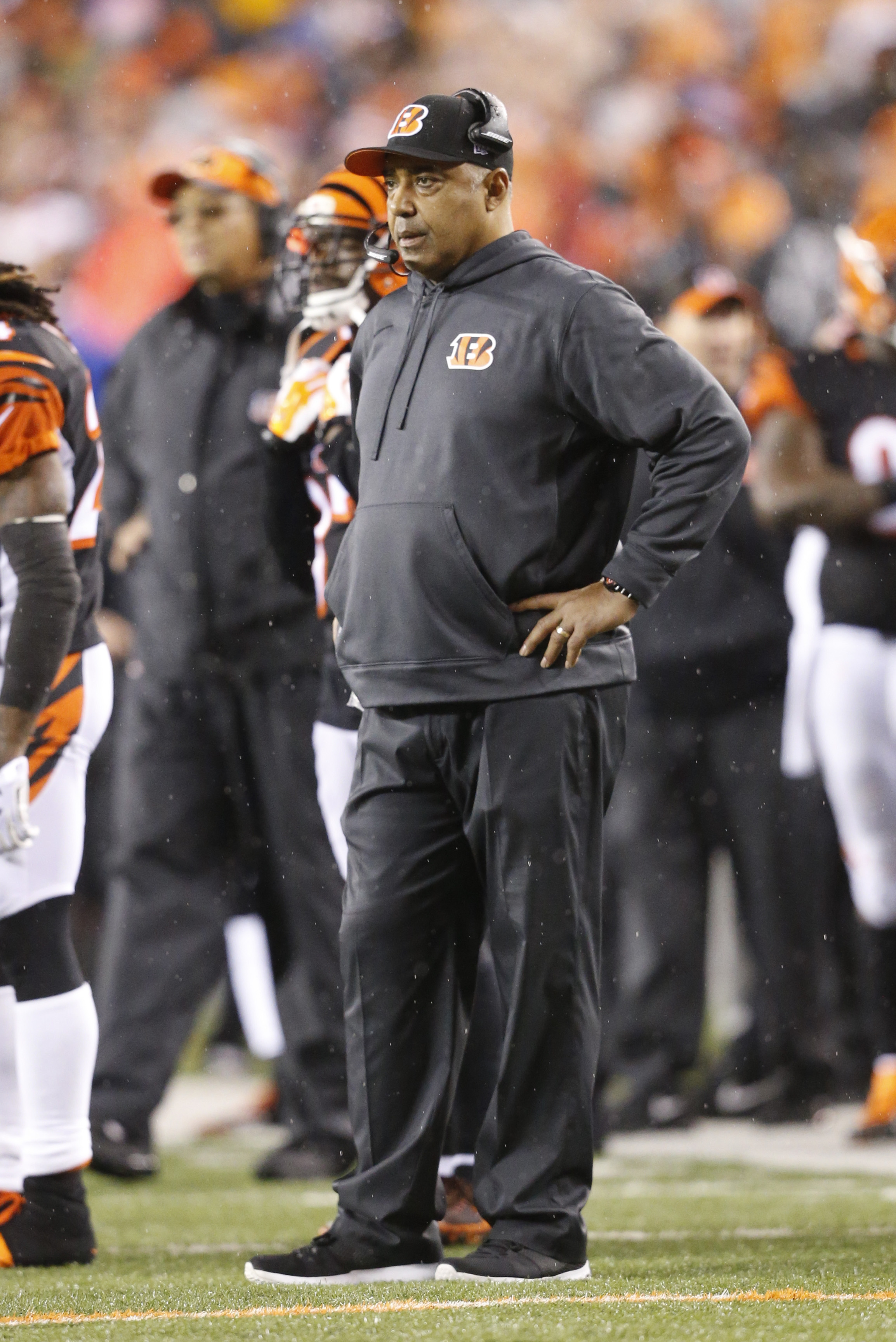 Cincinnati Bengals head coach Marvin Lewis watches during the second half of an NFL wild-card playoff football game against the Pittsburgh Steelers, Saturday, Jan. 9, 2016, in Cincinnati. (AP Photo/Frank Victores)