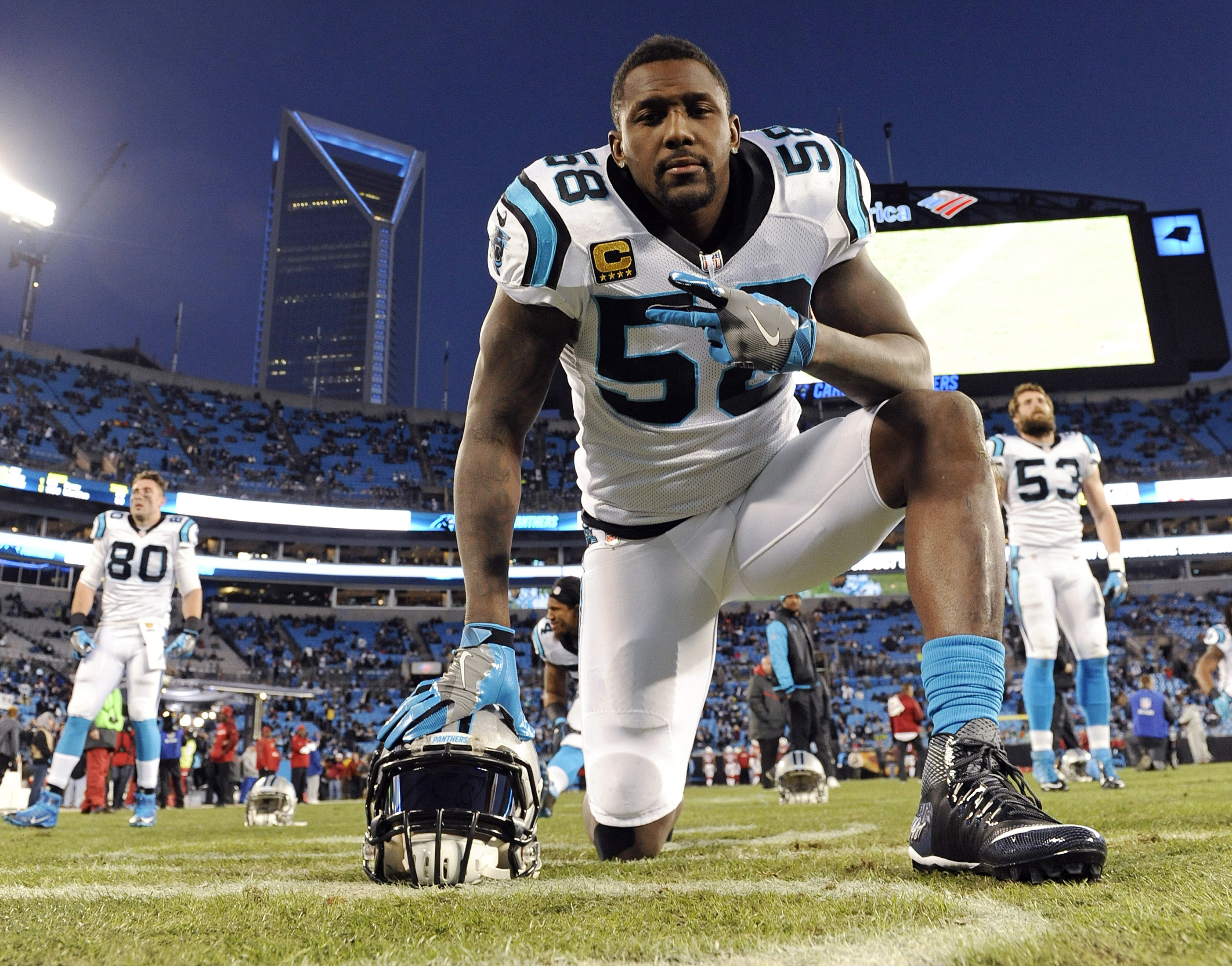 Carolina Panthers' Thomas Davis warms up before the NFL football NFC Championship game against the Arizona Cardinals Sunday, Jan. 24, 2016, in Charlotte, N.C. (AP Photo/Mike McCarn)
