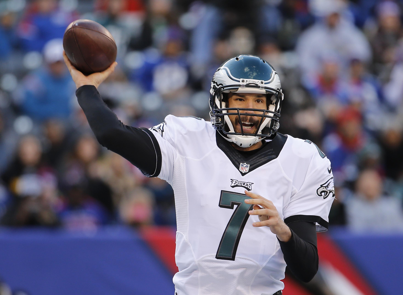 Philadelphia Eagles quarterback Sam Bradford (7) passes the ball against the New York Giants during an NFL football game, Sunday, Jan. 3, 2016, in East Rutherford, N.J. (AP Photo/Julio Cortez)
