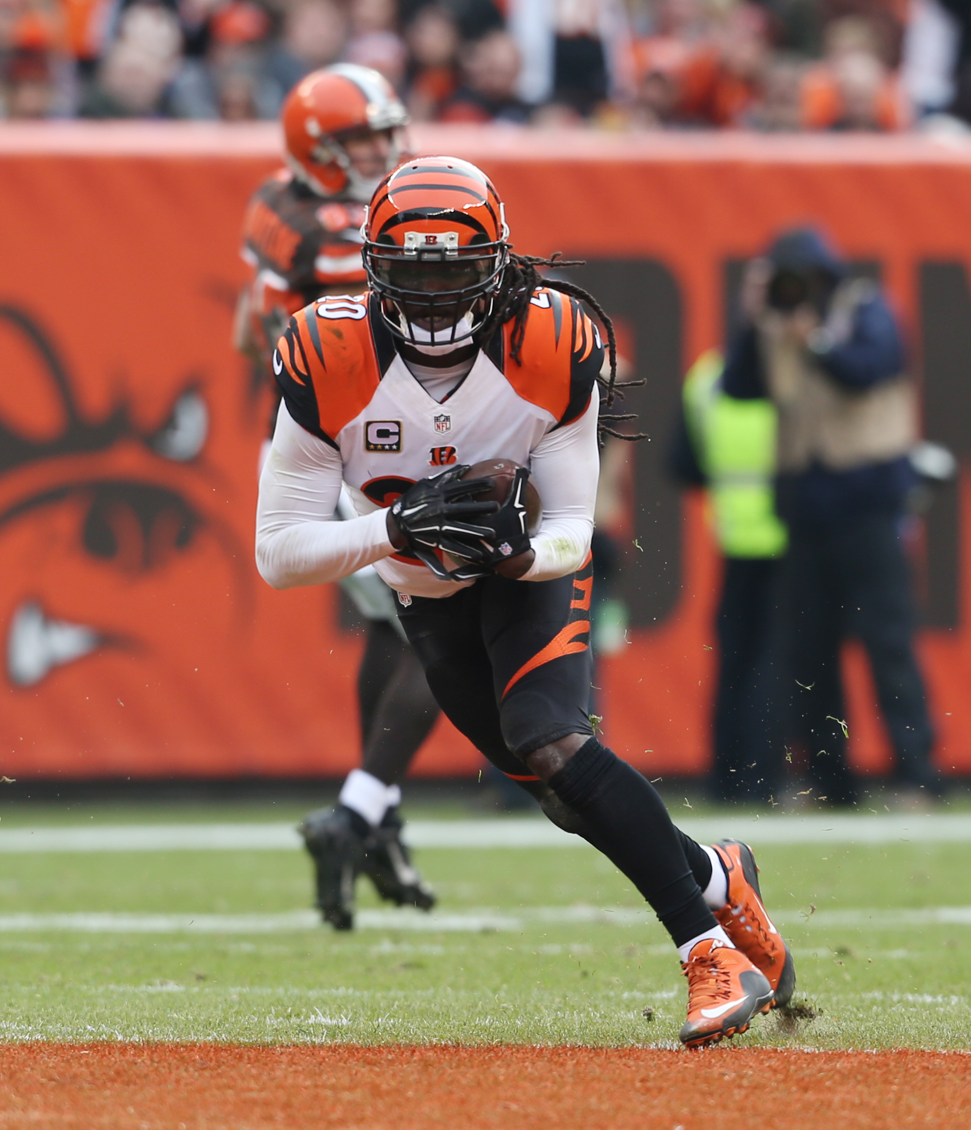 Cincinnati Bengals free safety Reggie Nelson (20) returns an interception against the Cleveland Browns in the first half of an NFL football game, Sunday, Dec. 6, 2015, in Cleveland. (AP Photo/Ron Schwane)