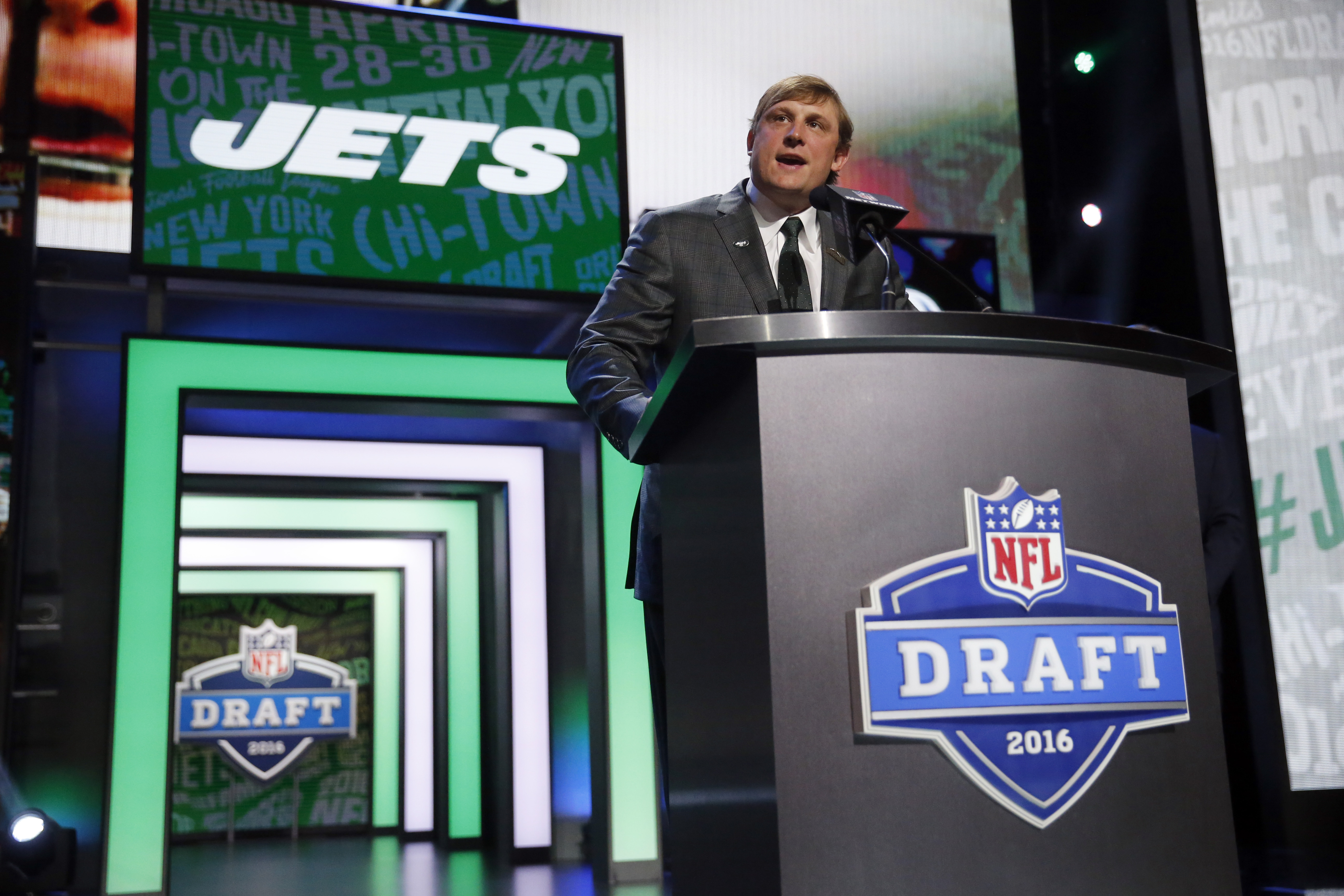 Former NFL player Chad Pennington announces that the New York Jets selects Penn States Christian Hackenberg as the 51st pick in the second round of the 2016 NFL football draft, Friday, April 29, 2016, in Chicago. (AP Photo/Charles Rex Arbogast)