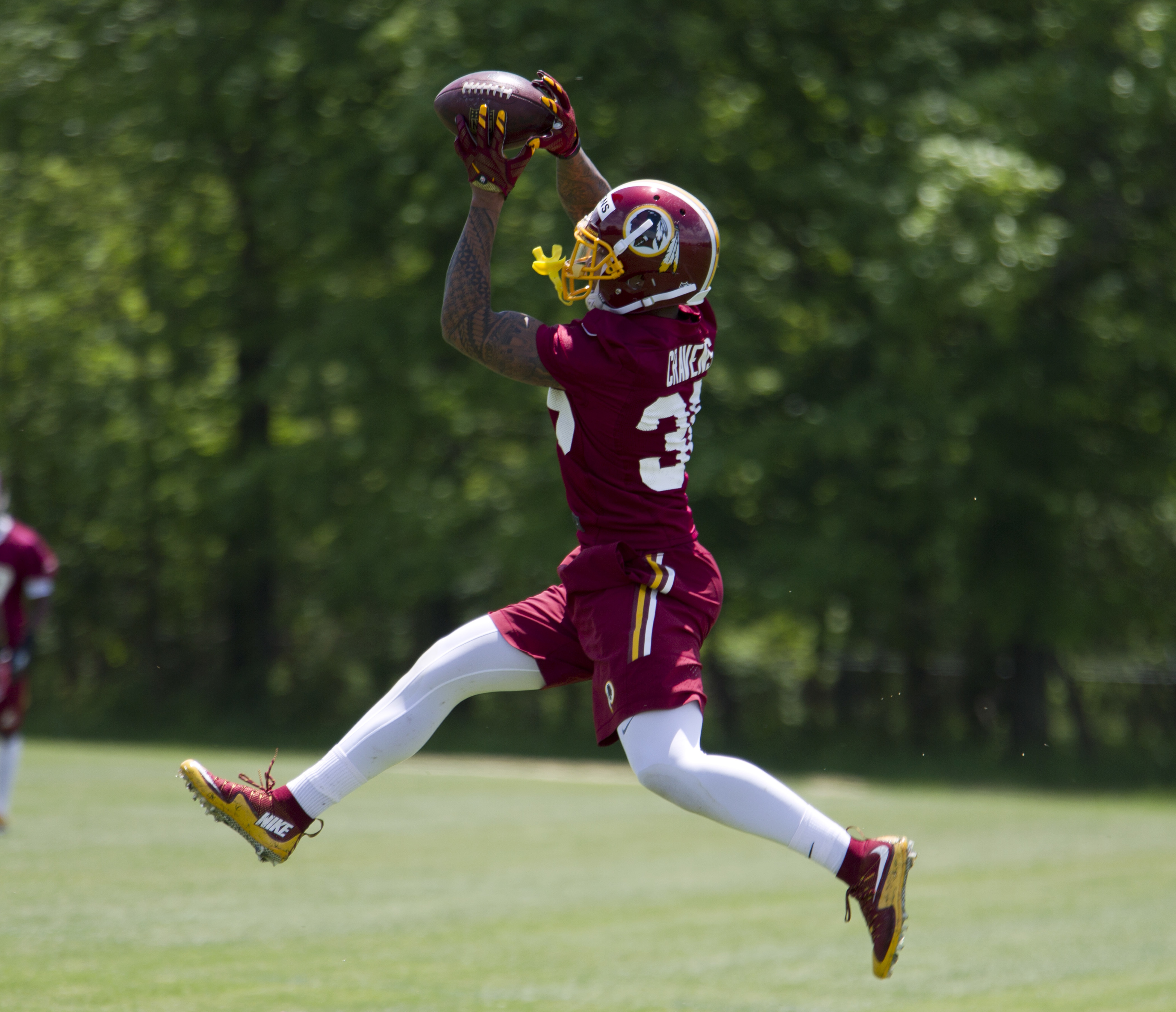 Washington Redskins safety Su'a Cravens, 36, works out during NFL football rookie minicamp Saturday, May 14, 2016, in Ashburn, Va. ( AP Photo/Jose Luis Magana)