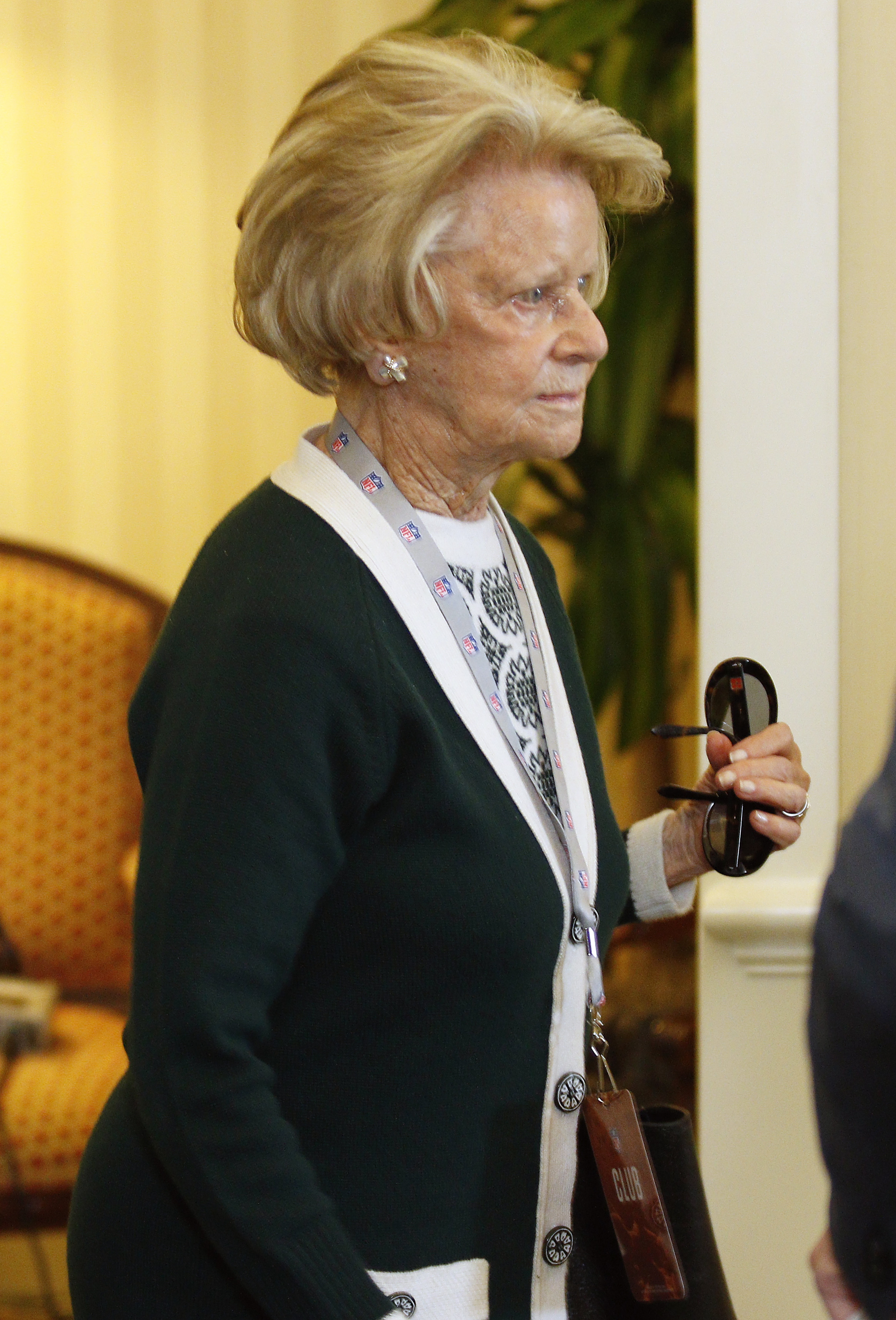 Chicago Bears owner Virginia McCaskey makes her way into the NFL owner's meeting in Charlotte N.C., Tuesday, May 24, 2016. (AP Photo/Bob Leverone)