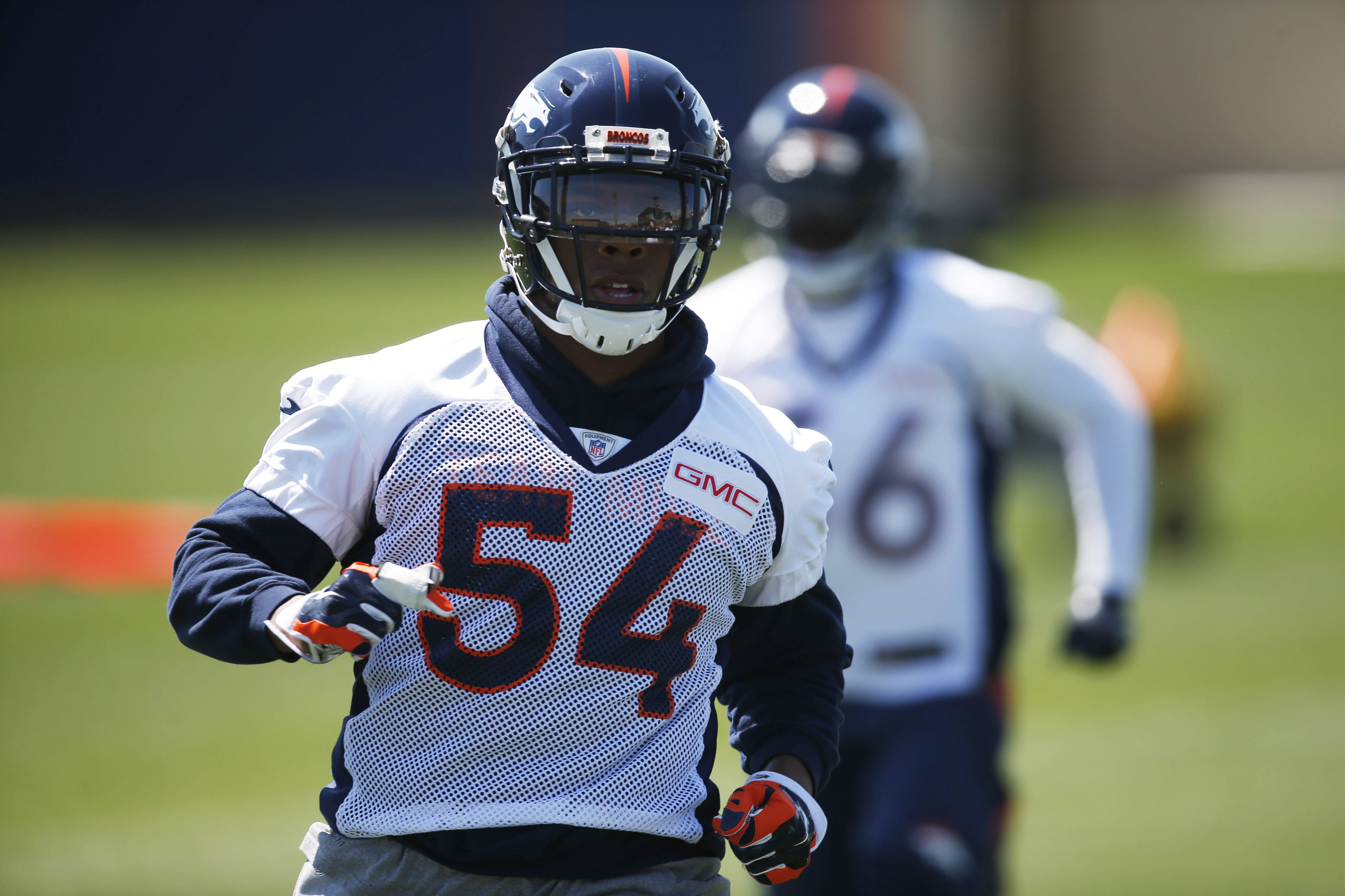 Denver Broncos inside linebacker Brandon Marshall takes part in a drill during an NFL football practice at the team's headquarters Wednesday, June 8, 2016, in Englewood, Colo. (AP Photo/David Zalubowski)