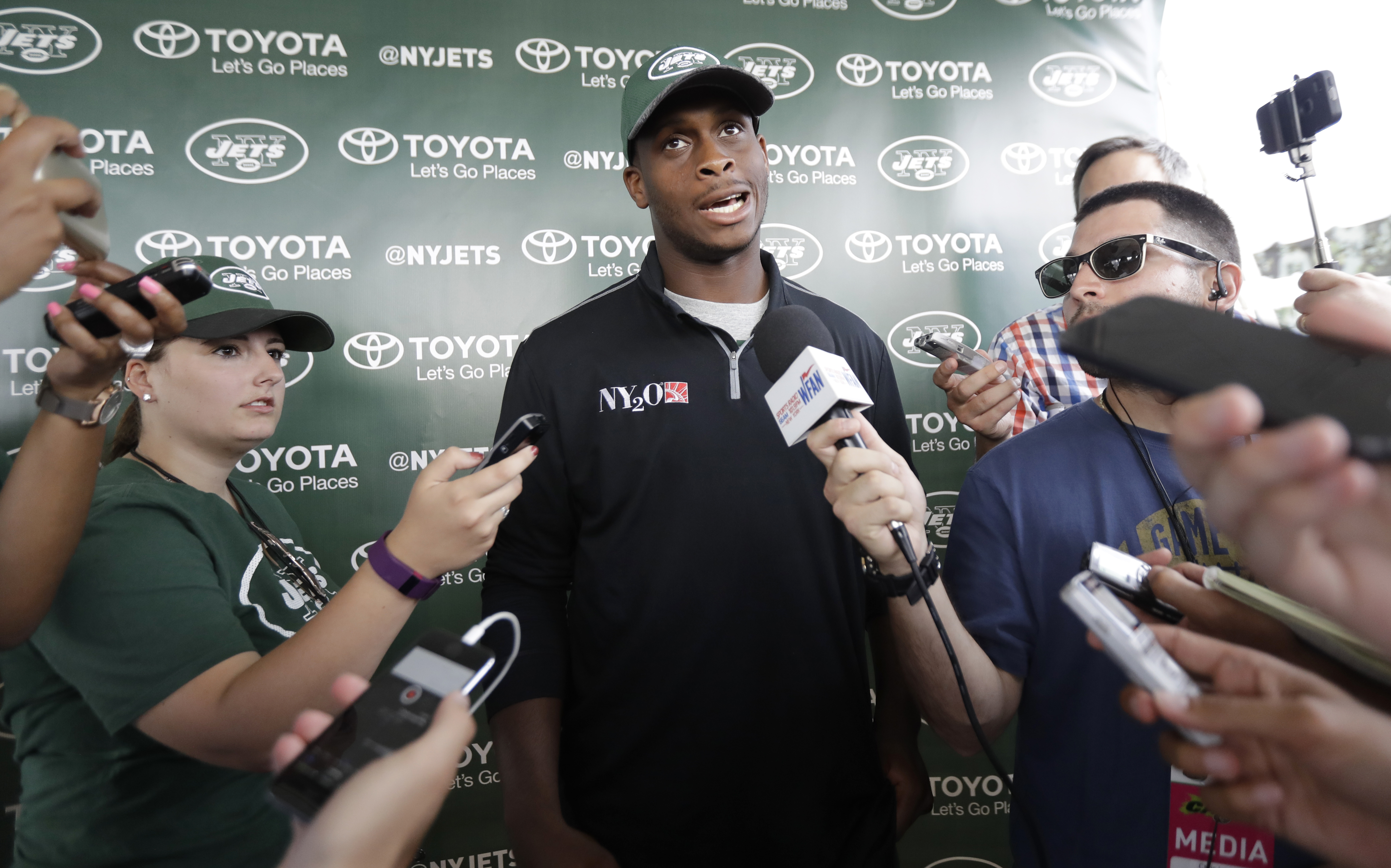 New York Jets quarterback Geno Smith talks to reporters during NFL football training camp, Thursday, July 28, 2016, in Florham Park, N.J. (AP Photo/Julio Cortez)