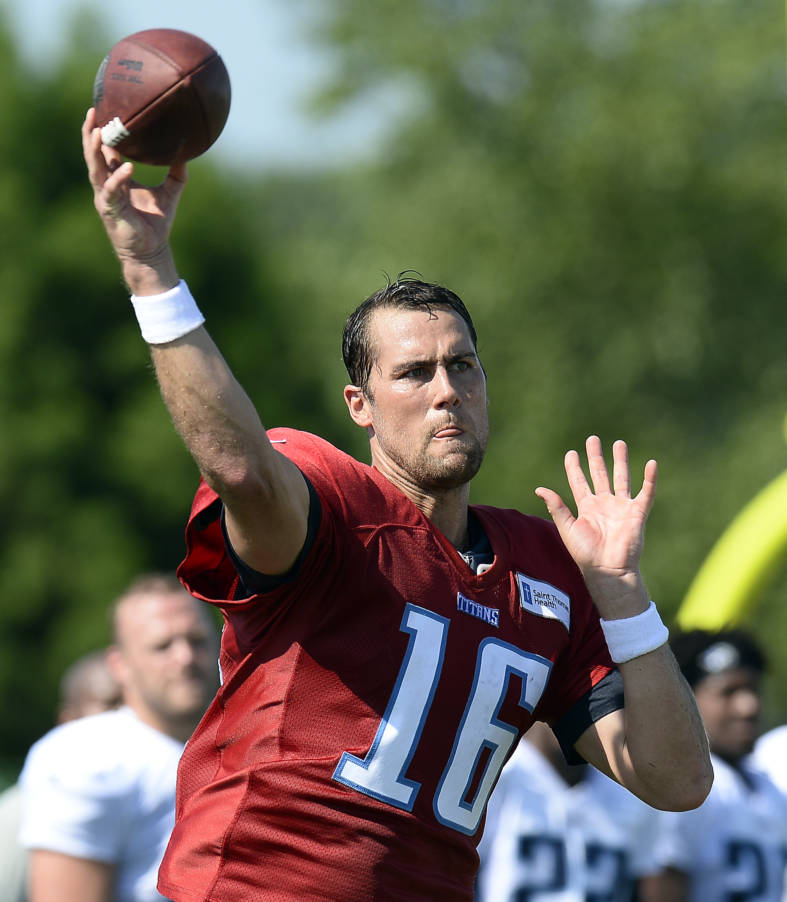 Tennessee Titans quarterback Matt Cassel throws a pass during practice at the NFL football teams training camp Monday, Aug. 1, 2016, in Nashville, Tenn. (AP Photo/Mark Zaleski)