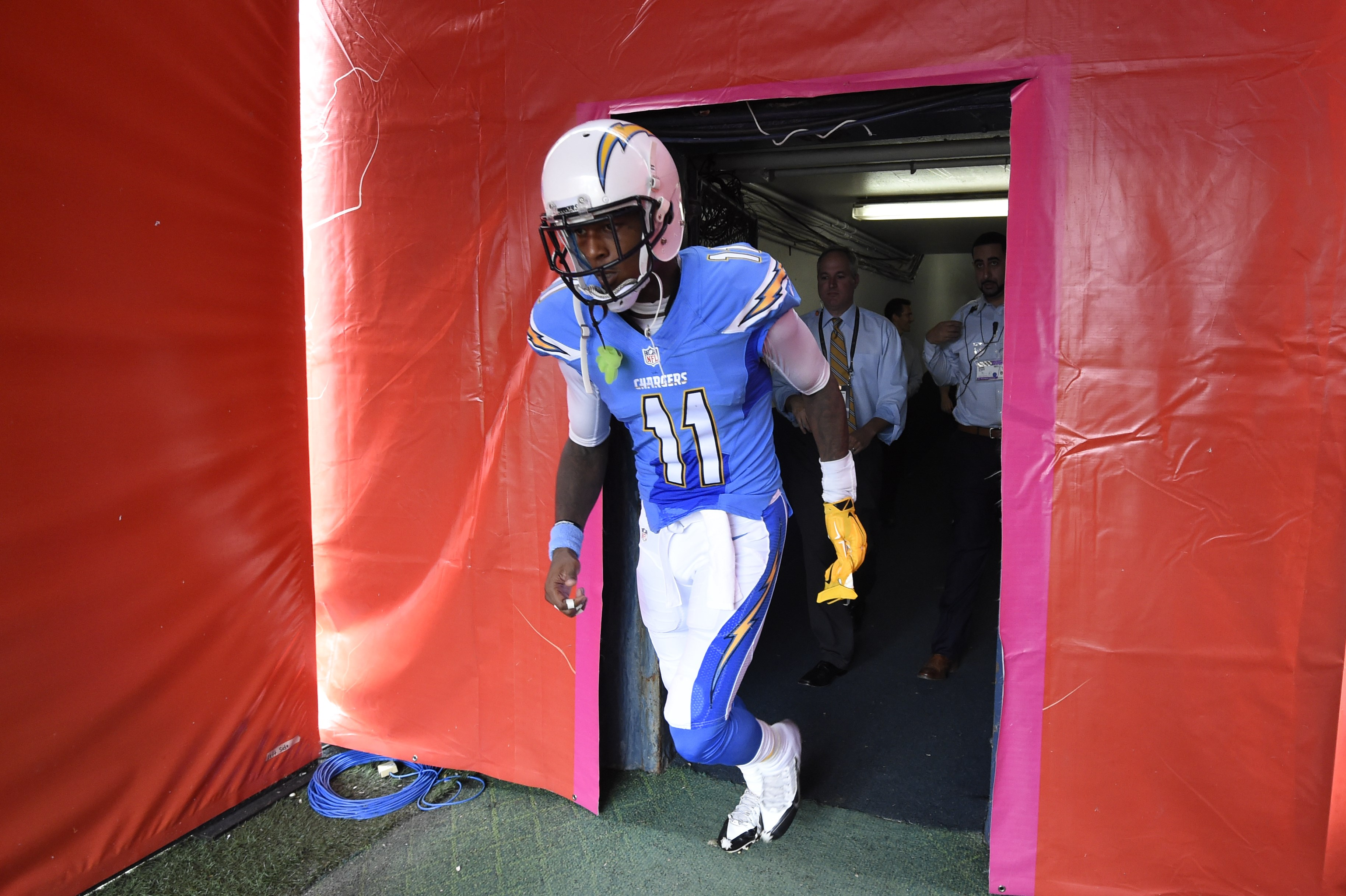 San Diego Chargers wide receiver Steve Johnson walks onto the field before an NFL football game against the Oakland Raiders  Sunday, Oct. 25, 2015, in San Diego. (AP Photo/Denis Poroy)