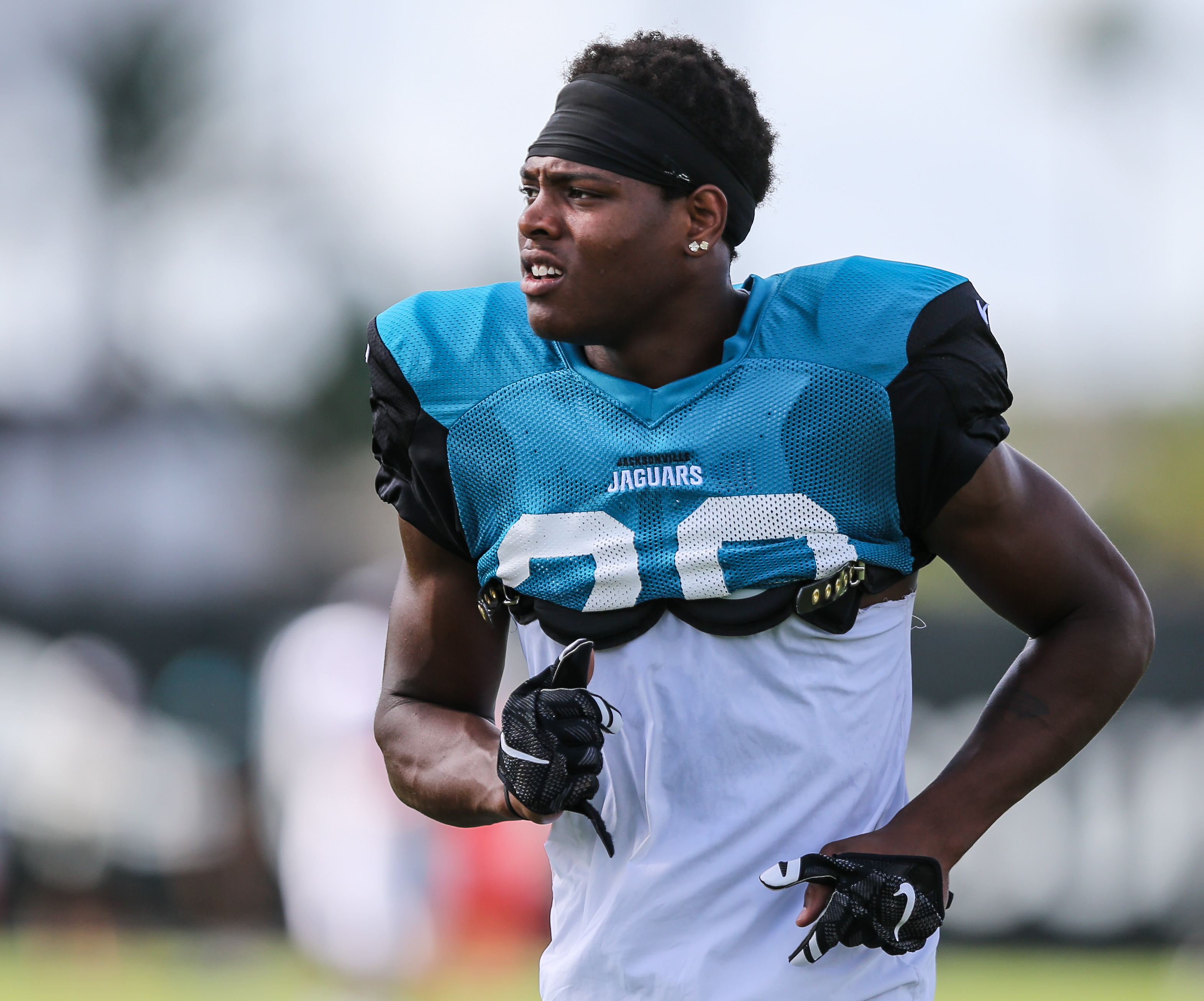 acksonville Jaguar corner Jalen Ramsey (20) jogs between drills during a joint NFL football training camp with the Tampa Bay Buccaneers at Florida Blue Field in Jacksonville, Fla., Wednesday, Aug. 17, 2016. (The Florida Times-Union, Gary McCullough)