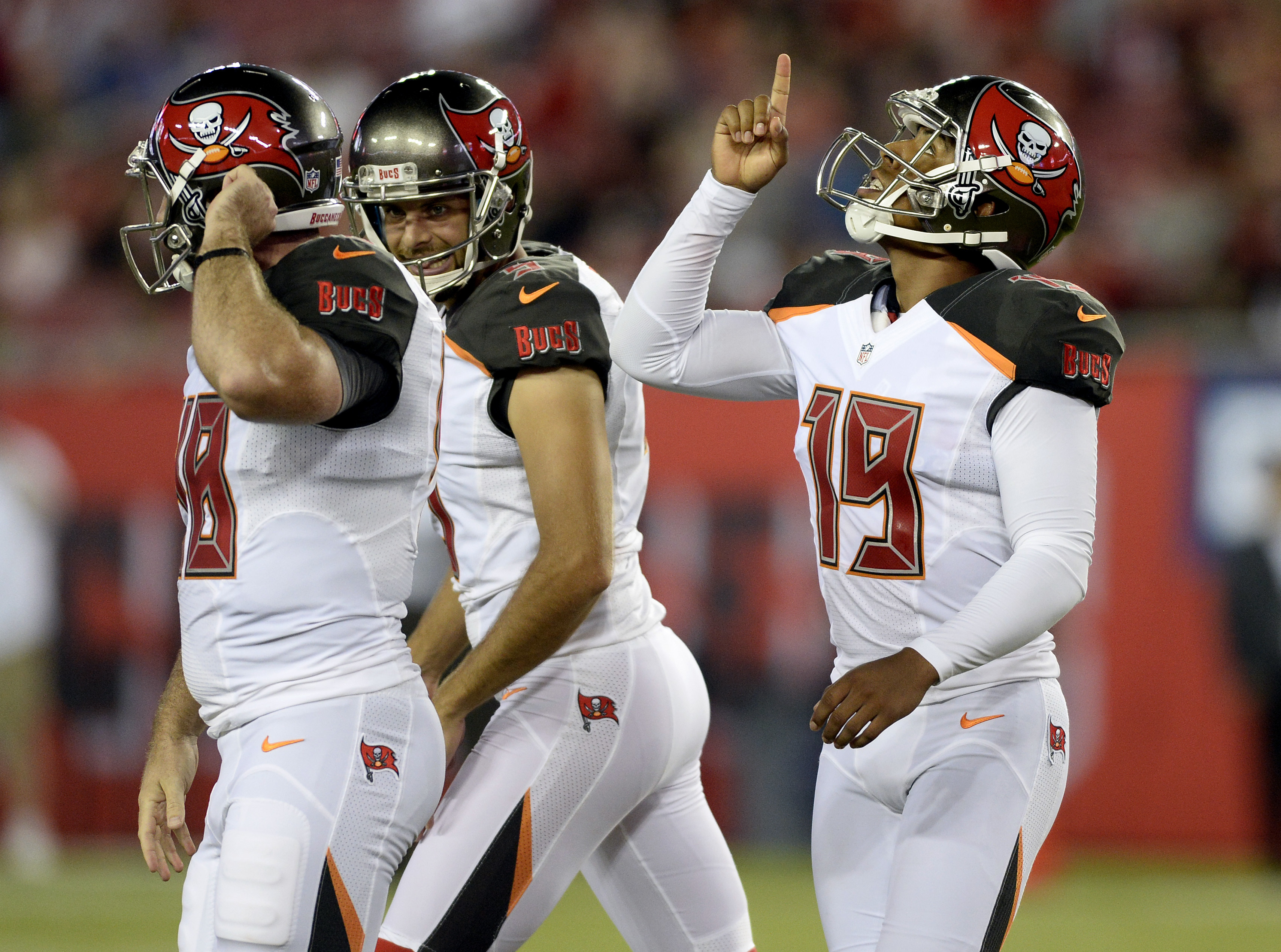 Tampa Bay Buccaneers kicker Roberto Aguayo (19) reacts after kicking a field goal against the Cleveland Browns during the first quarter of an NFL football game Friday, Aug. 26, 2016, in Tampa, Fla. (AP Photo/Jason Behnken)