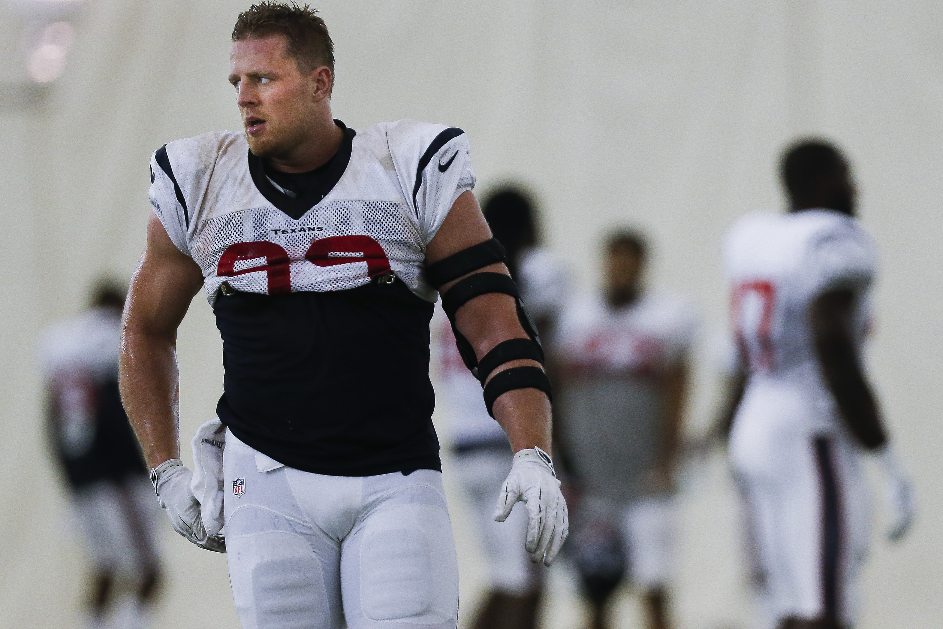 Houston Texans defensive end J.J. Watt practices with the team in Houston, Monday, Sept. 5, 2016. Watt is back at practice after back surgery and preparing for Houston's opener against Chicago.  (Michael Ciaglo/Houston Chronicle via AP)