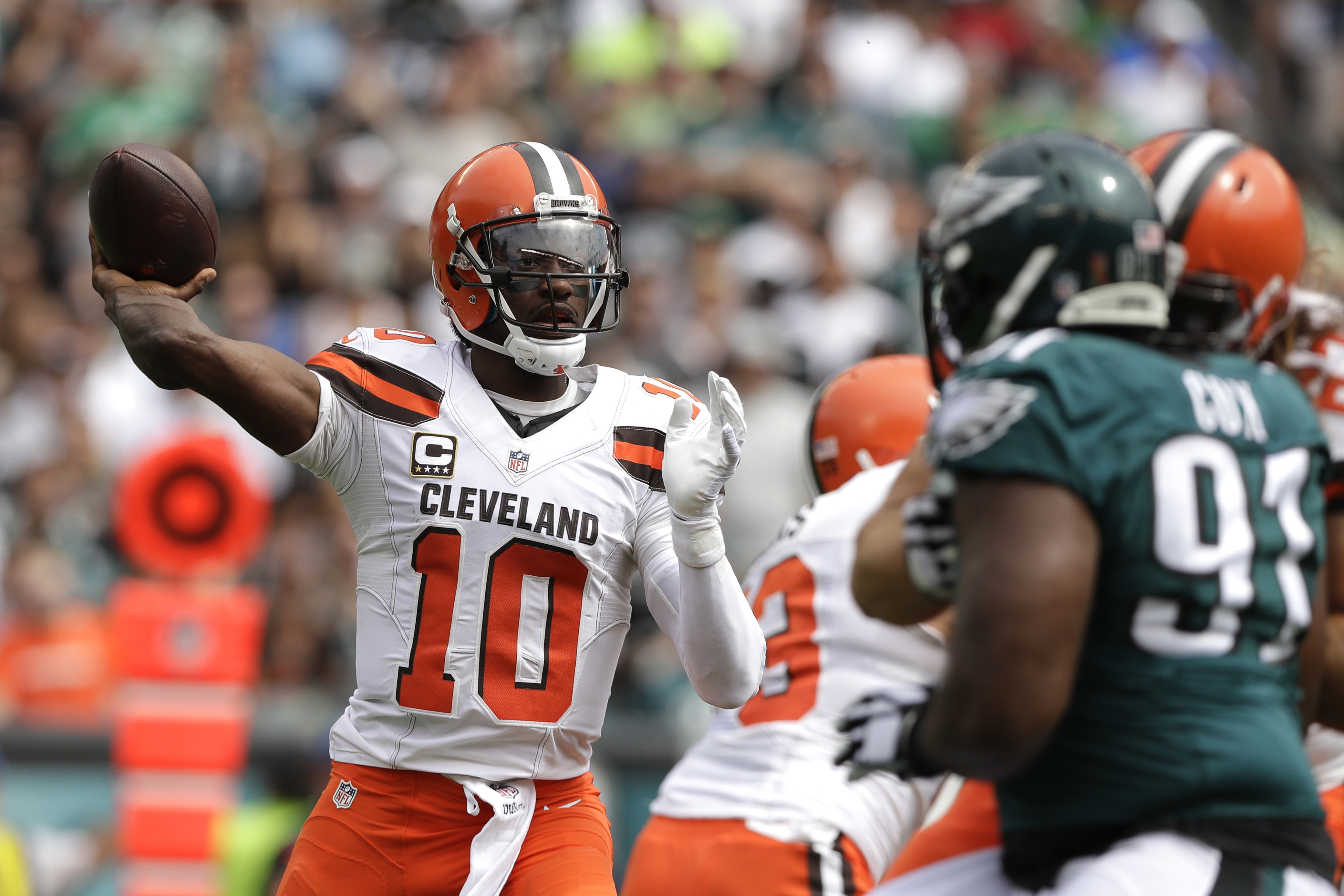Cleveland Browns' Robert Griffin III passes during the first half of an NFL football game against the Philadelphia Eagles, Sunday, Sept. 11, 2016, in Philadelphia. (AP Photo/Michael Perez)