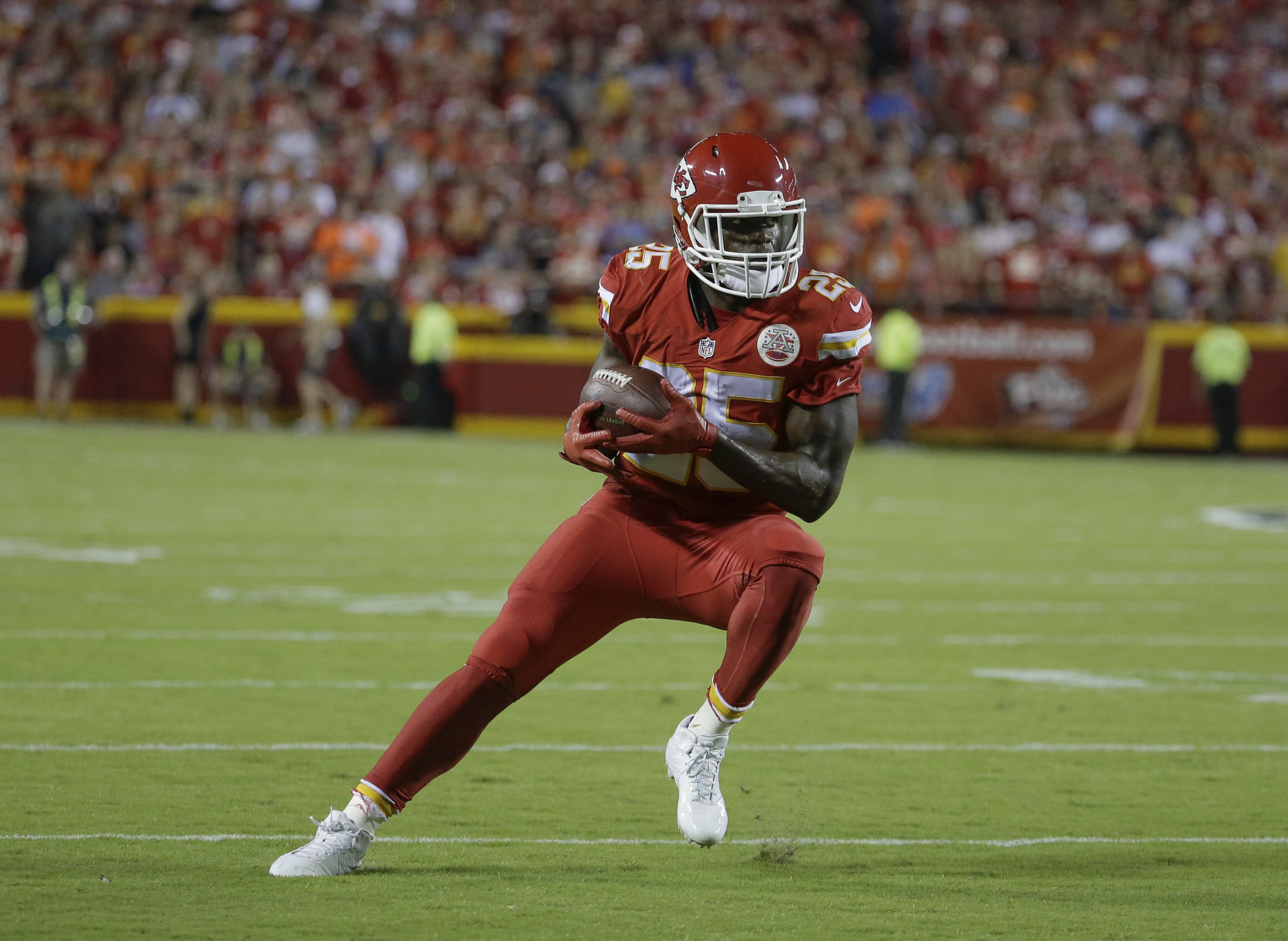 In this Thursday, Sept. 17, 2015 file photo, Kansas City Chiefs running back Jamaal Charles (25) runs with the ball during the first half of an NFL football game against the Denver Broncos in Kansas City, Mo. (AP Photo/Charlie Riedel, File)
