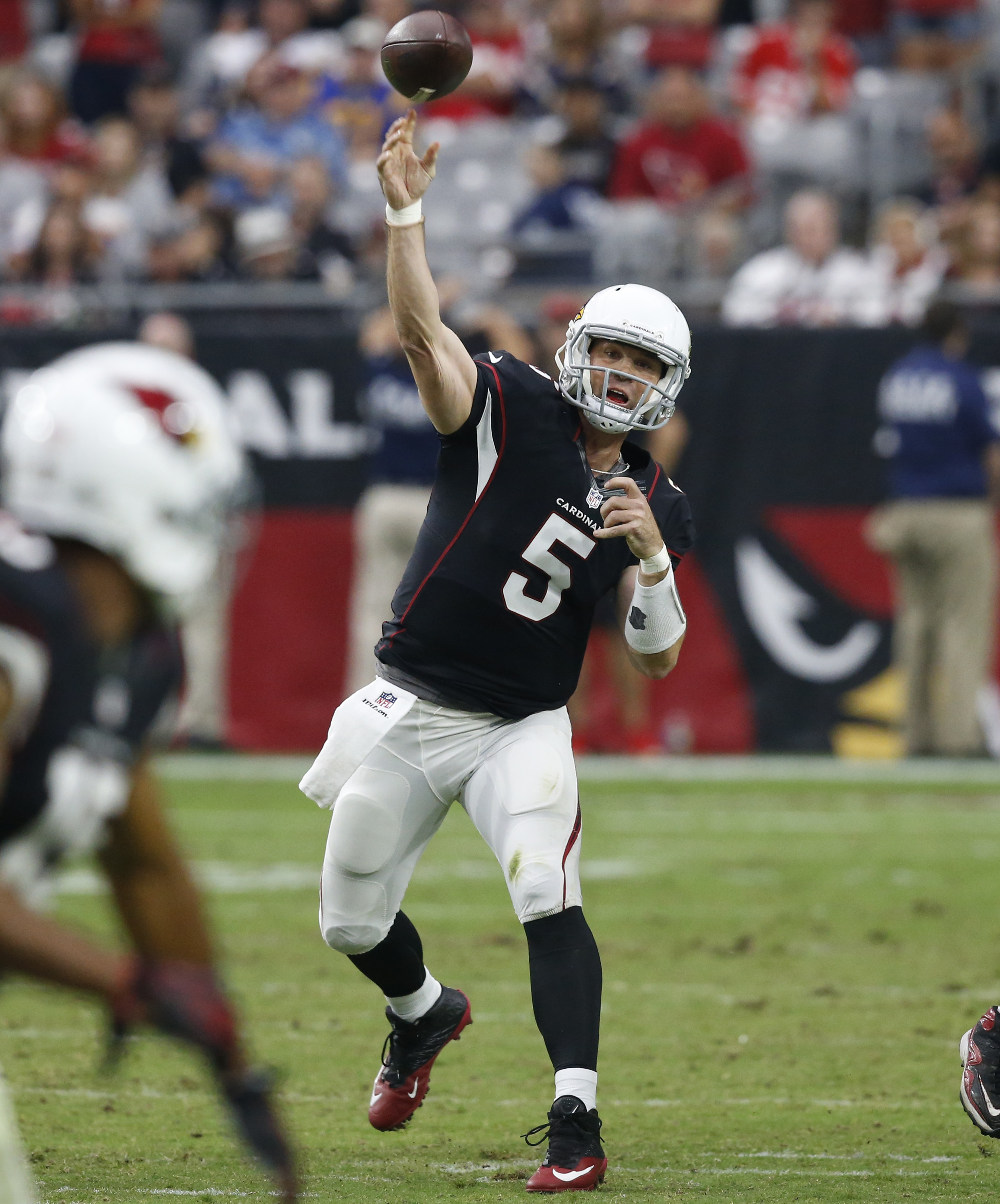 Arizona Cardinals quarterback Drew Stanton (5) throws against the Los Angeles Rams during the second half of NFL football game, Sunday, Oct. 2, 2016, in Glendale, Ariz. The Rams won 17-13. (AP Photo/Ross D. Franklin)