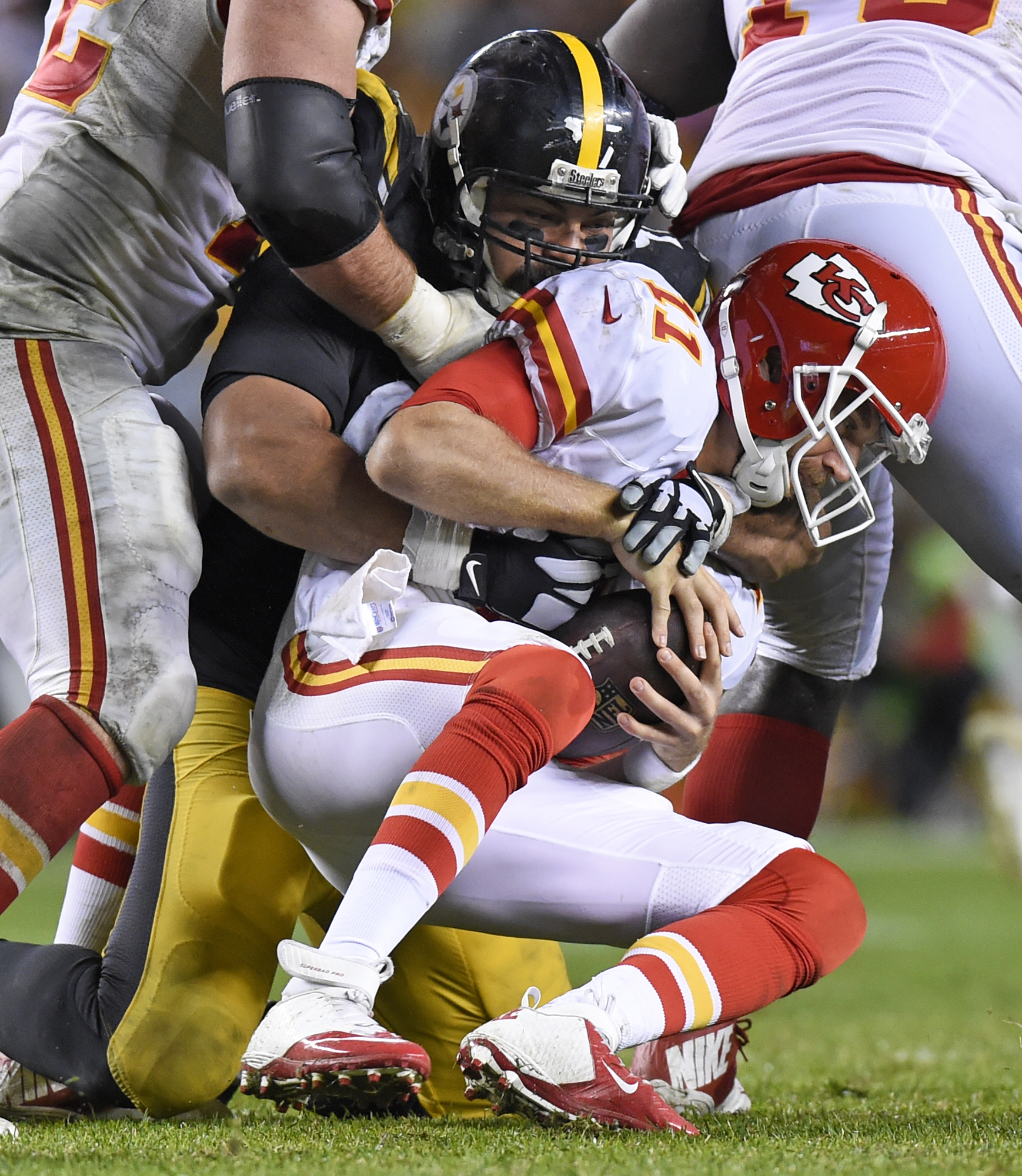 Pittsburgh Steelers defensive end Cameron Heyward (97) sacks Kansas City Chiefs quarterback Alex Smith (11) during the second half of an NFL football game in Pittsburgh, Sunday, Oct. 2, 2016. The Steelers won 43-14. (AP Photo/Don Wright)
