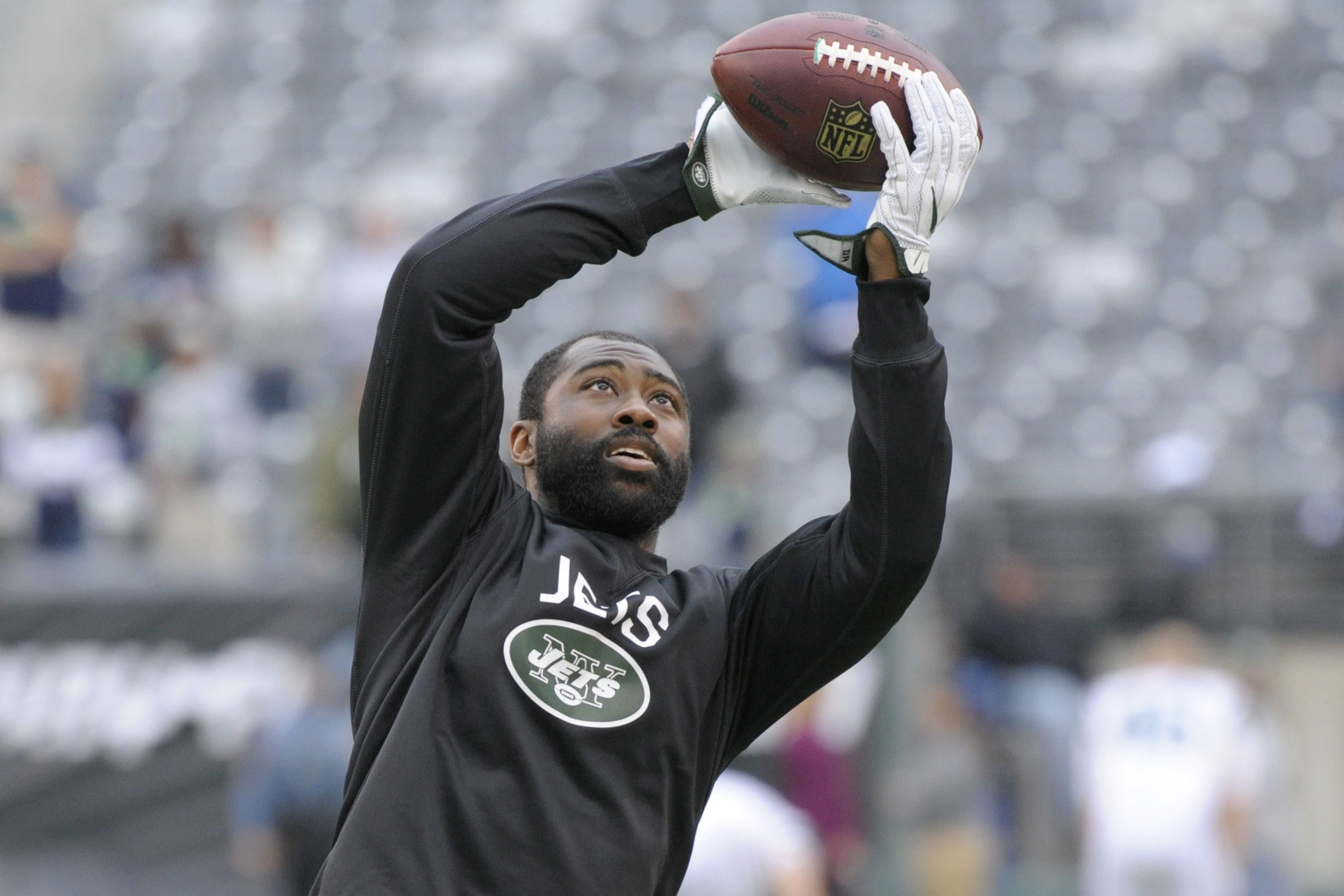 FILE - In this Oct. 2, 2016, file photo, New York Jets' Darrelle Revis warms up before an NFL football game against the Seattle Seahawks, in East Rutherford, N.J. Revis gave his hamstring a workout and came away feeling pretty good about his chances of pl
