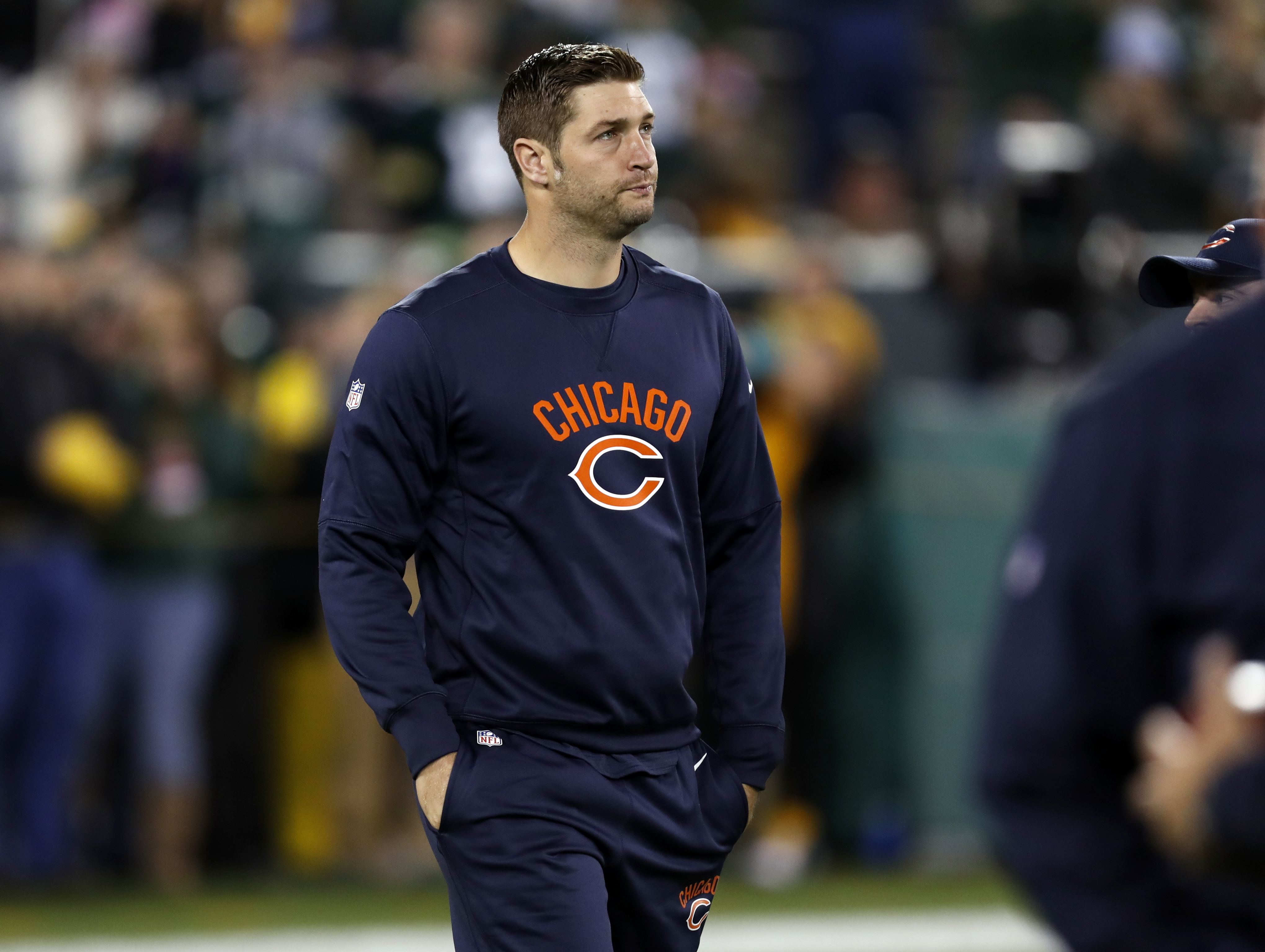 Chicago Bears quarterback Jay Cutler walks around the field before an NFL football game against the Green Bay Packers, Thursday, Oct. 20, 2016, in Green Bay, Wis. (AP Photo/Matt Ludtke)
