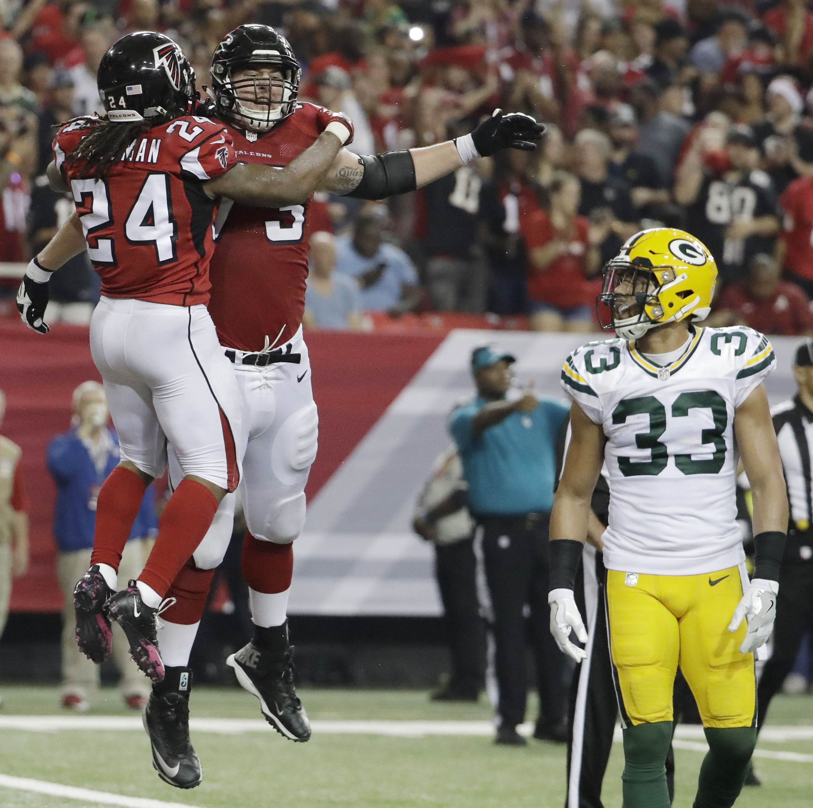Falcons sign right tackle Ryan Schraeder to 5 year extension