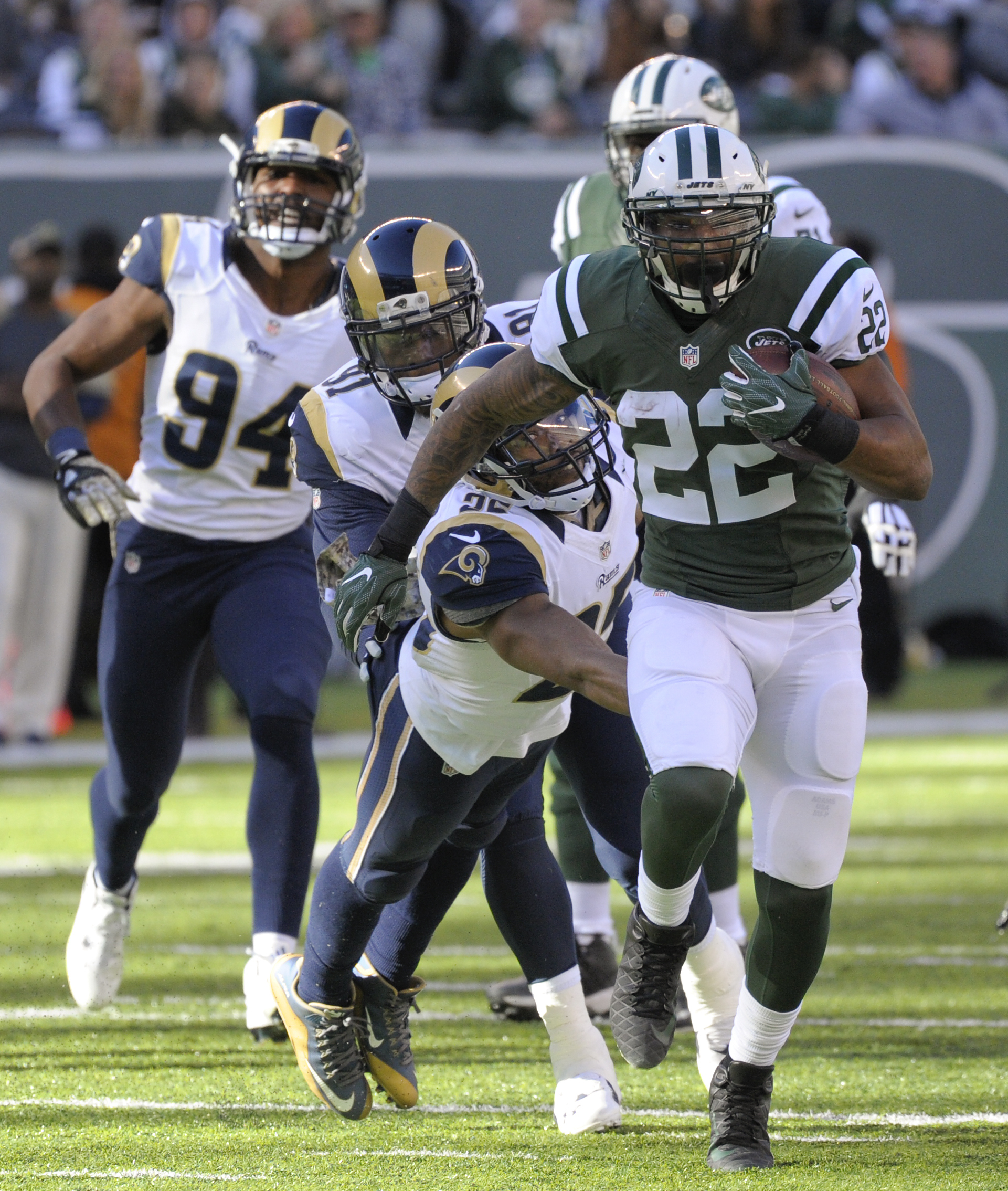 New York Jets running back Matt Forte (22) runs the ball against the Los Angeles Rams during the second quarter of an NFL football game, Sunday, Nov. 13, 2016, in East Rutherford, N.J. (AP Photo/Bill Kostroun)