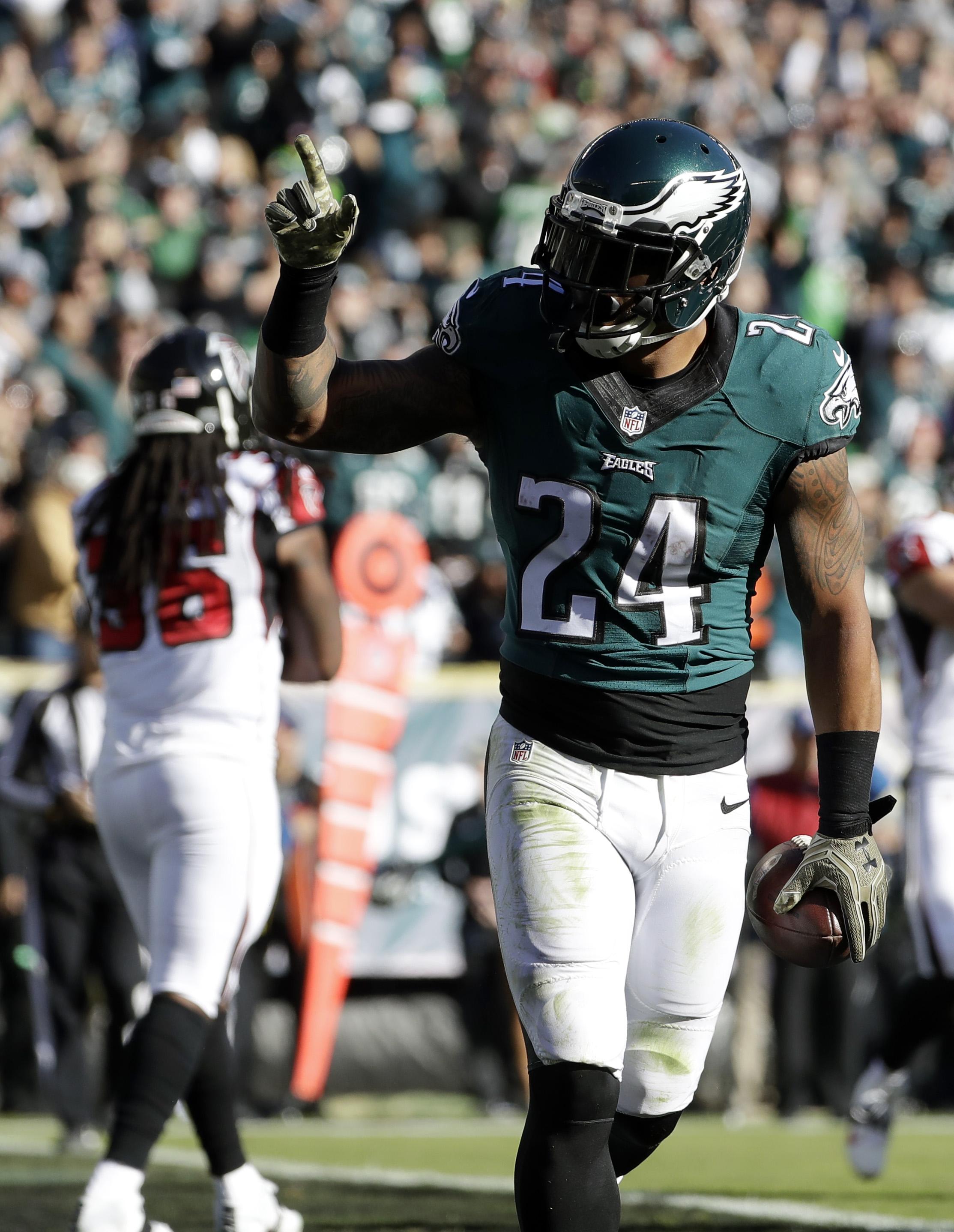 Philadelphia Eagles' Ryan Mathews celebrates a touchdown run during the first half of an NFL football game against the Atlanta Falcons, Sunday, Nov. 13, 2016, in Philadelphia. (AP Photo/Matt Slocum)