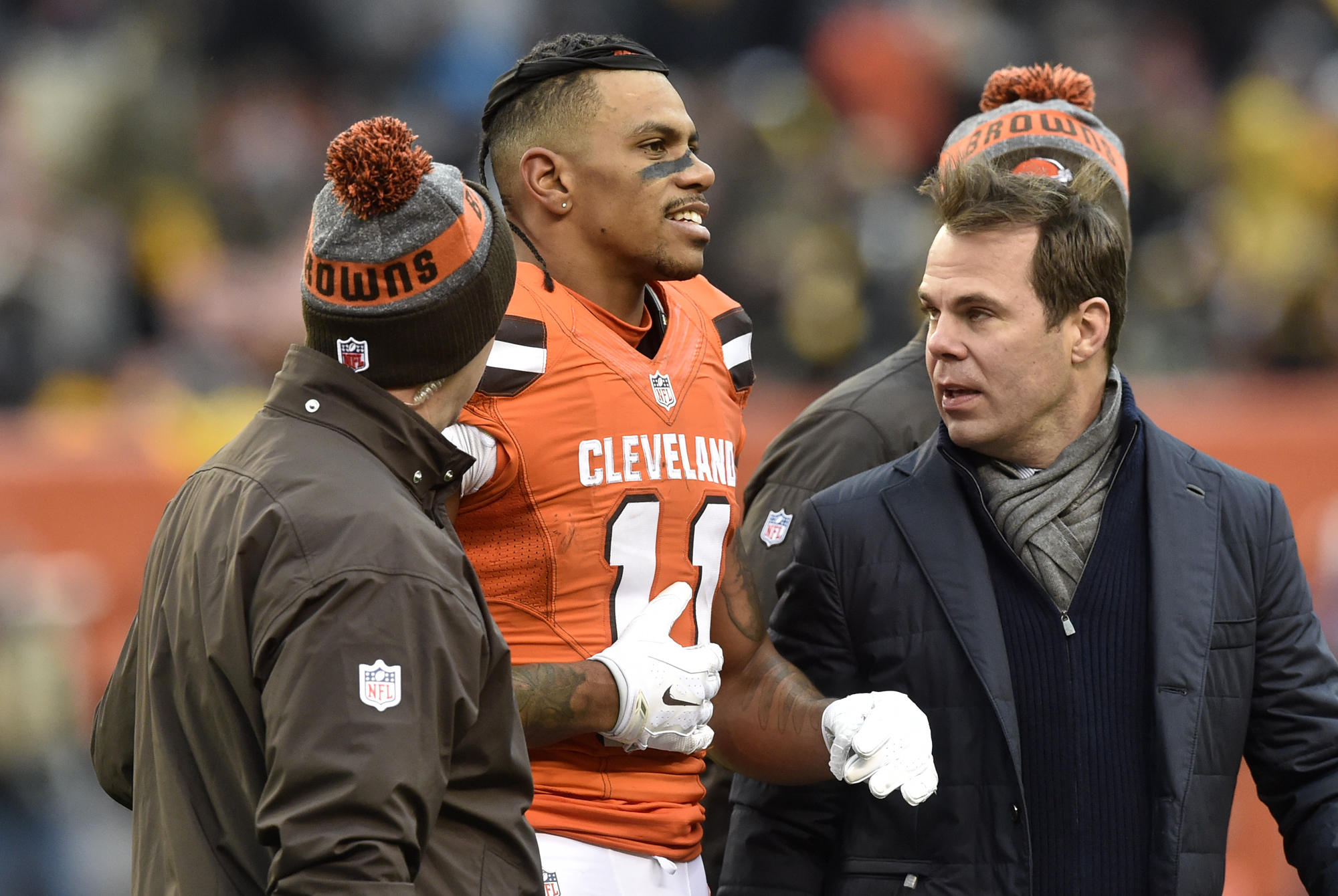 Cleveland Browns wide receiver Terrelle Pryor (11) is helped off the field after being injured on a play during the second half of an NFL football game against the Pittsburgh Steelers in Cleveland, Sunday, Nov. 20, 2016. The Steelers won 24-9. (AP Photo/D