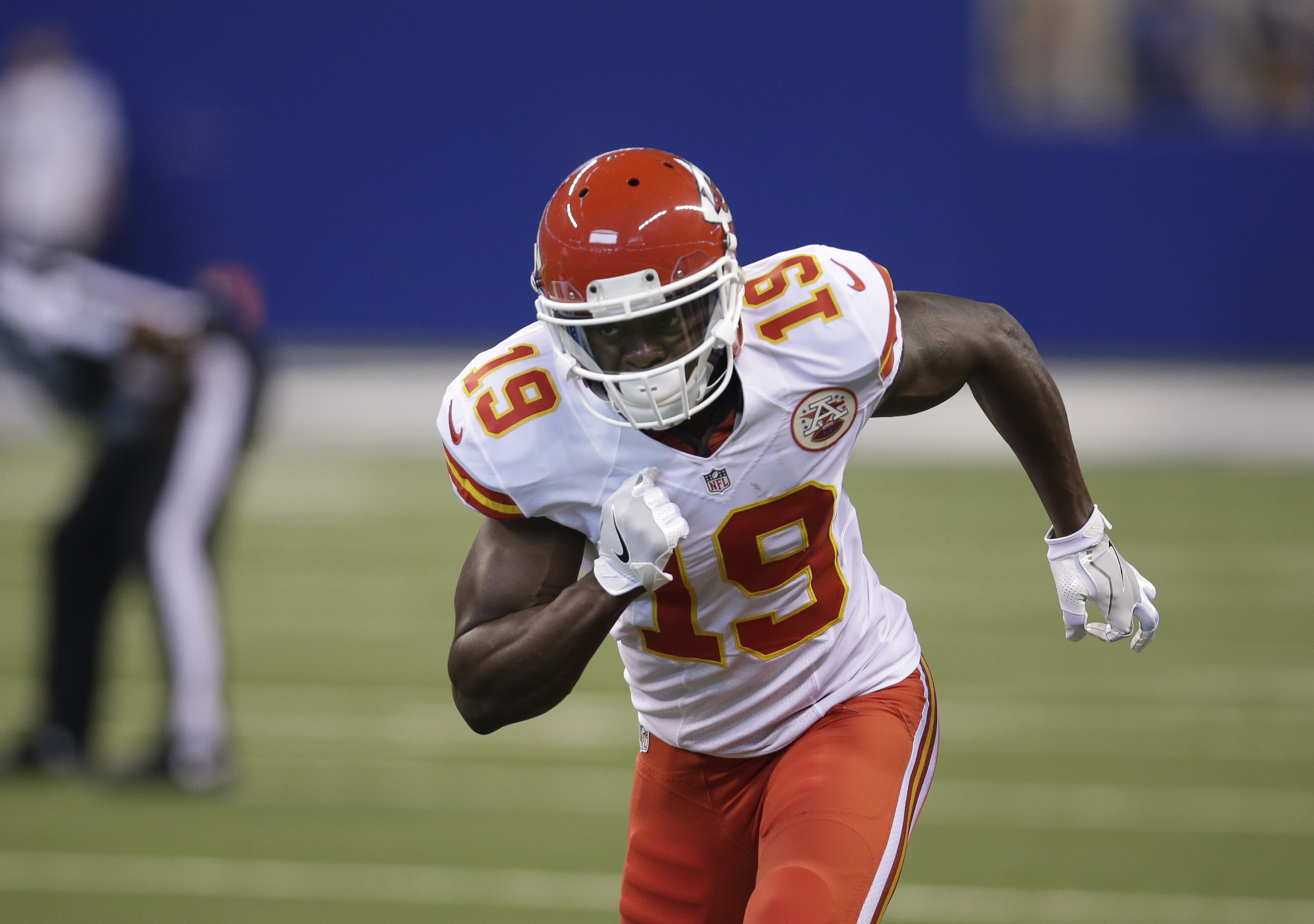 Kansas City Chiefs' Jeremy Maclin (19) runs during the first half of an NFL football game against the Indianapolis Colts, Sunday, Oct. 30, 2016, in Indianapolis. (AP Photo/AJ Mast)