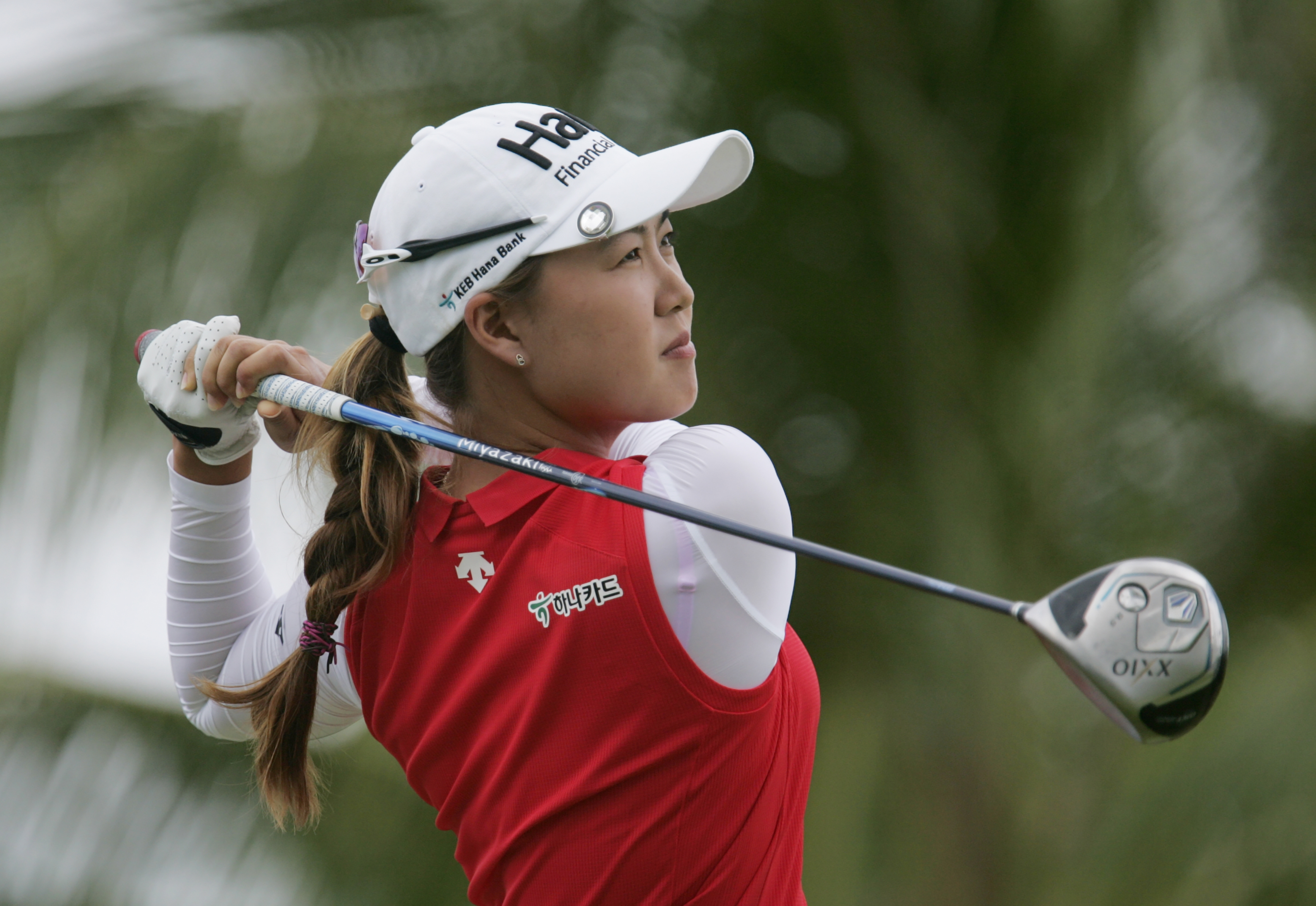 Minjee Lee, of Australia, drives off the second tee during the final round of the Lotte Championship LPGA golf tournament, Saturday, April 16, 2016, in Kapolei, Hawaii. (AP Photo/Hugh Gentry)