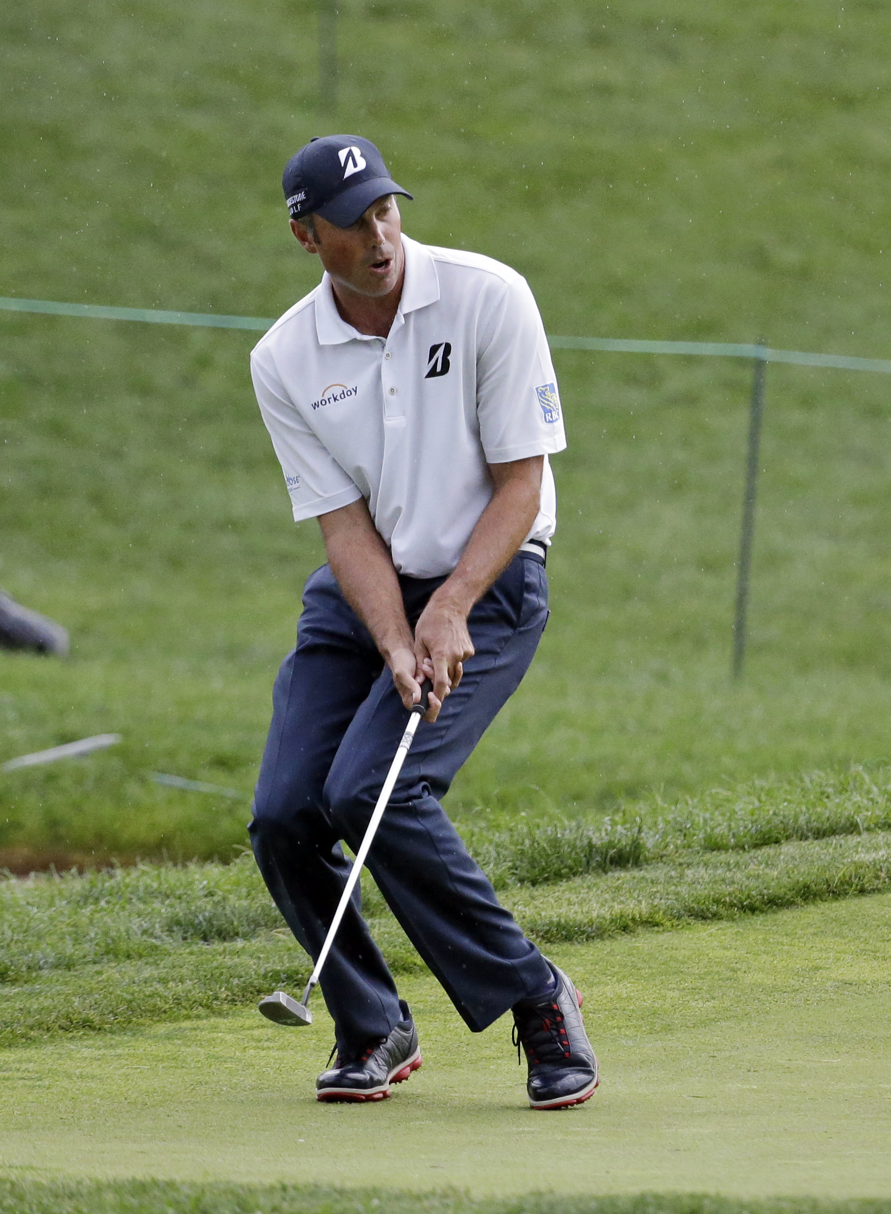 Matt Kuchar reacts to a missed putt on the 17th green during the third round of the Memorial golf tournament, Saturday, June 4, 2016, in Dublin, Ohio. (AP Photo/Darron Cummings)