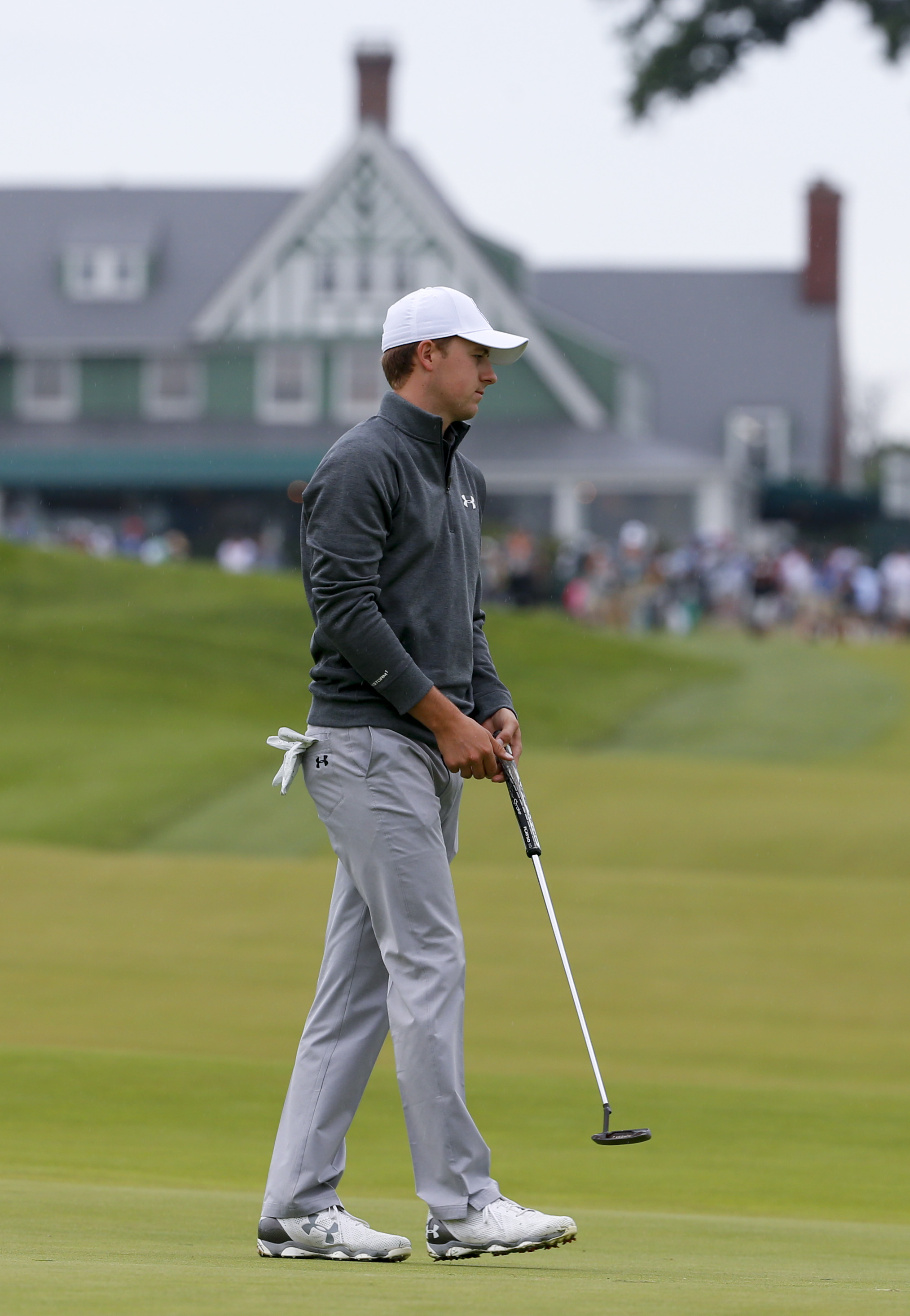 Jordan Spieth lines up his putt on the 10th hole during a practice round for the U.S. Open golf championship at Oakmont Country Club on Wednesday, June 15, 2016, in Oakmont, Pa. (AP Photo/Gene J. Puskar)