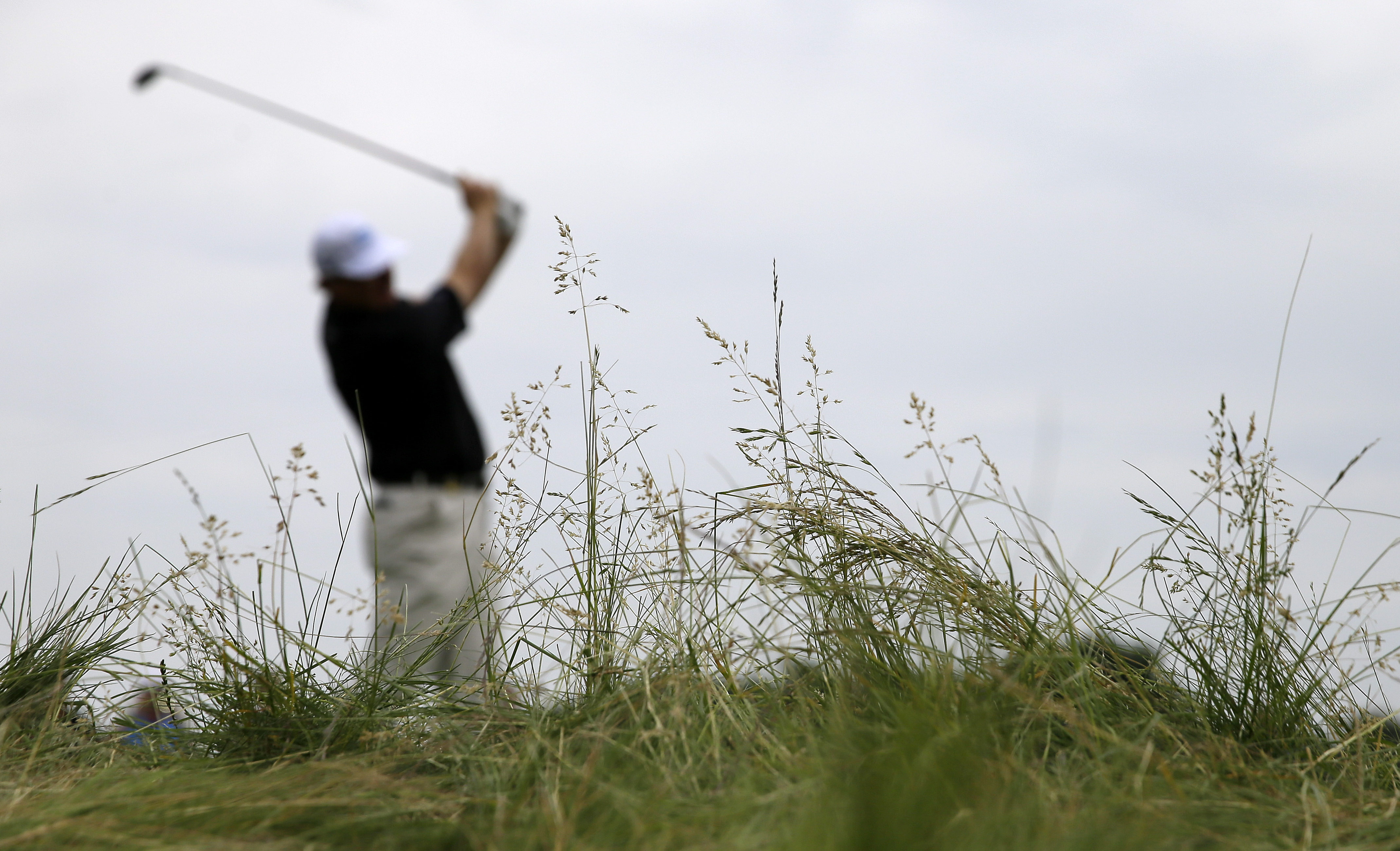 Ernie Els, of South Africa, watches his tee shot on the seventh hole during a practice round for the U.S. Open golf championship at Oakmont Country Club on Wednesday, June 15, 2016, in Oakmont, Pa. (AP Photo/John Minchillo)