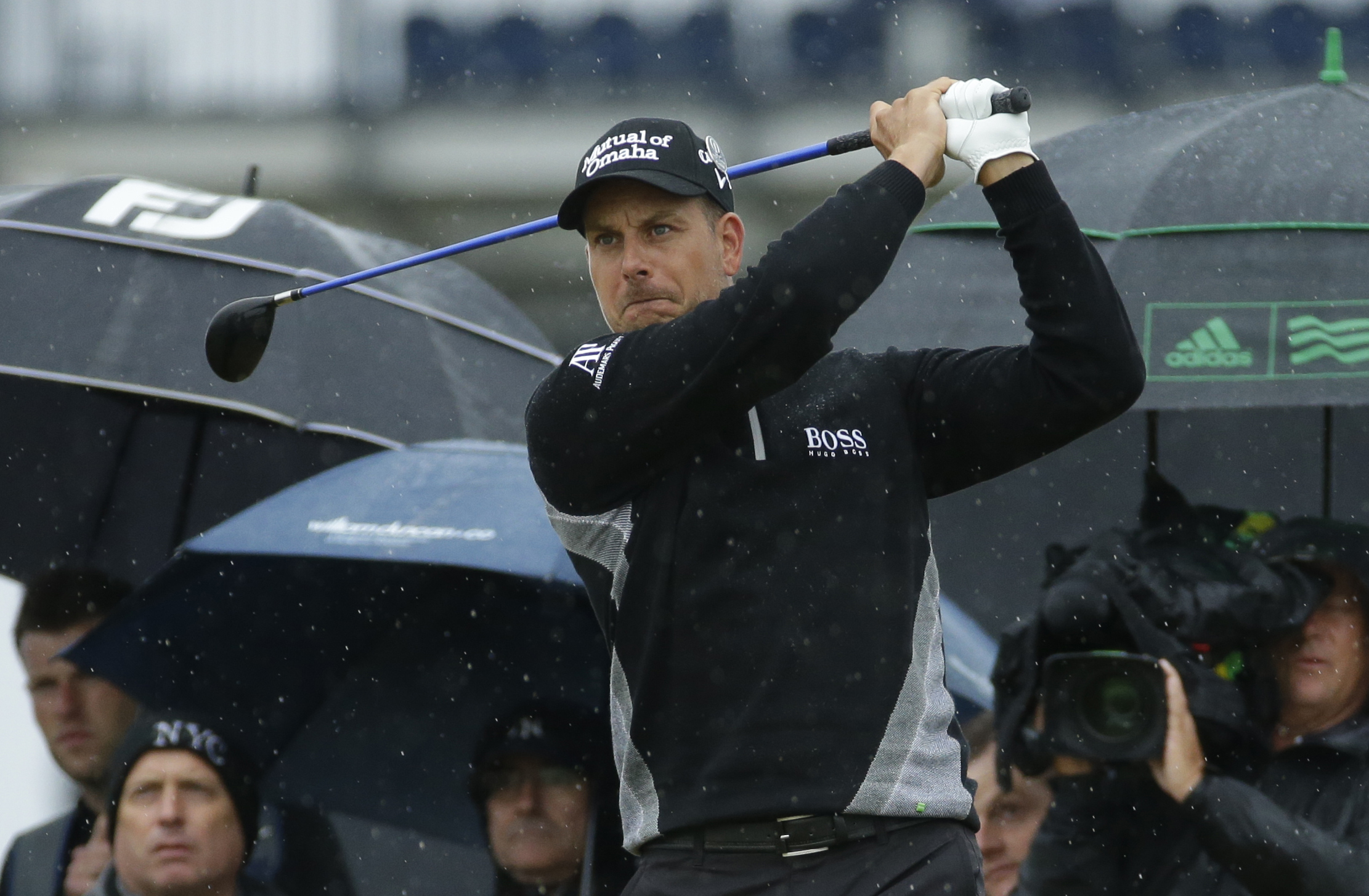 Henrik Stenson of Sweden plays his tee shot on the 9th tee during the second round of the British Open Golf Championships at the Royal Troon Golf Club in Troon, Scotland, Friday, July 15, 2016. (AP Photo/Matt Dunham)