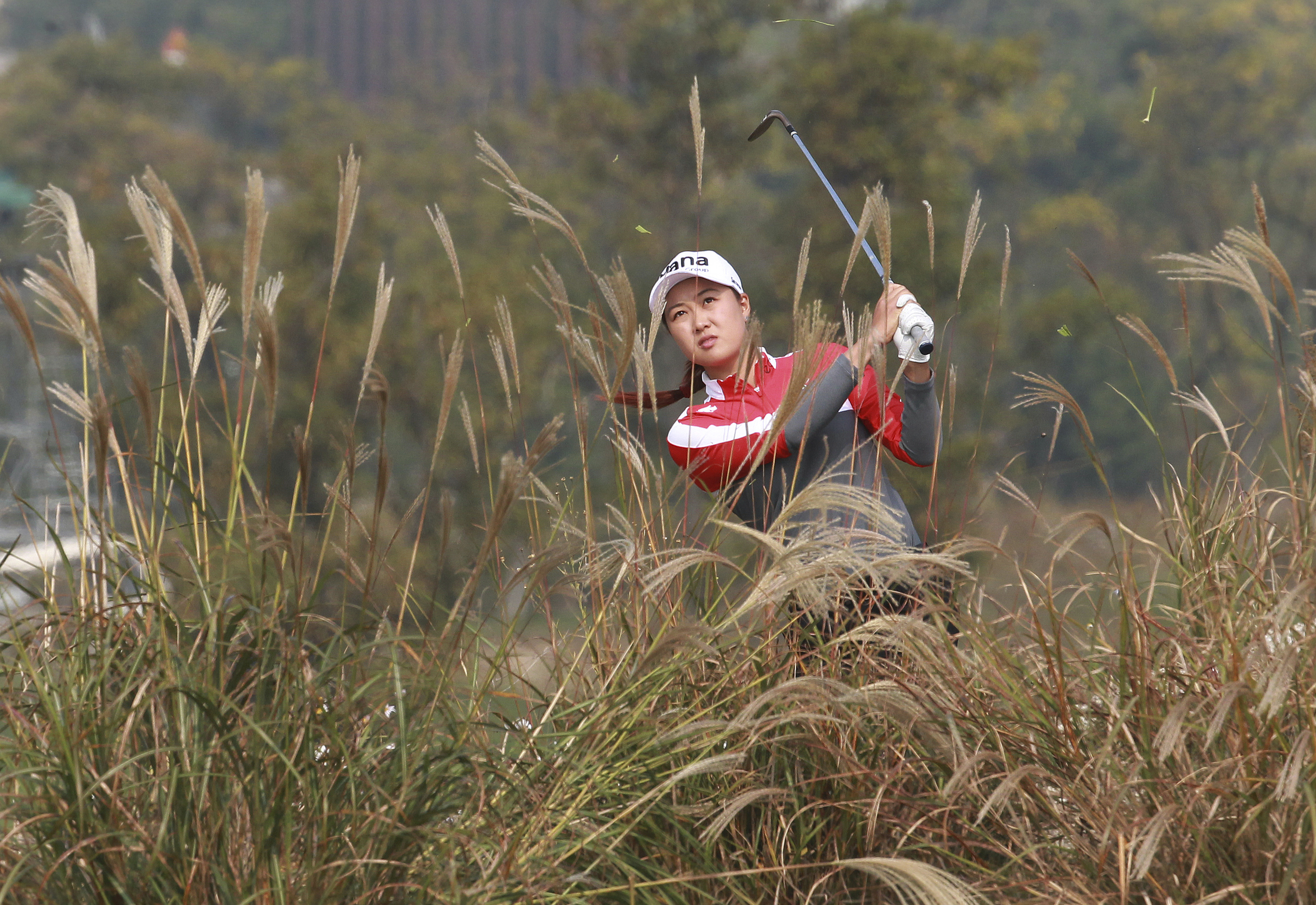 Minjee Lee of Australia watches her shot on the 6th hole during the second round of the LPGA KEB HanaBank Championship 2016 tournament at Sky72 Golf Club in Incheon, South Korea, Friday, Oct. 14, 2016. (AP Photo/Ahn Young-joon)