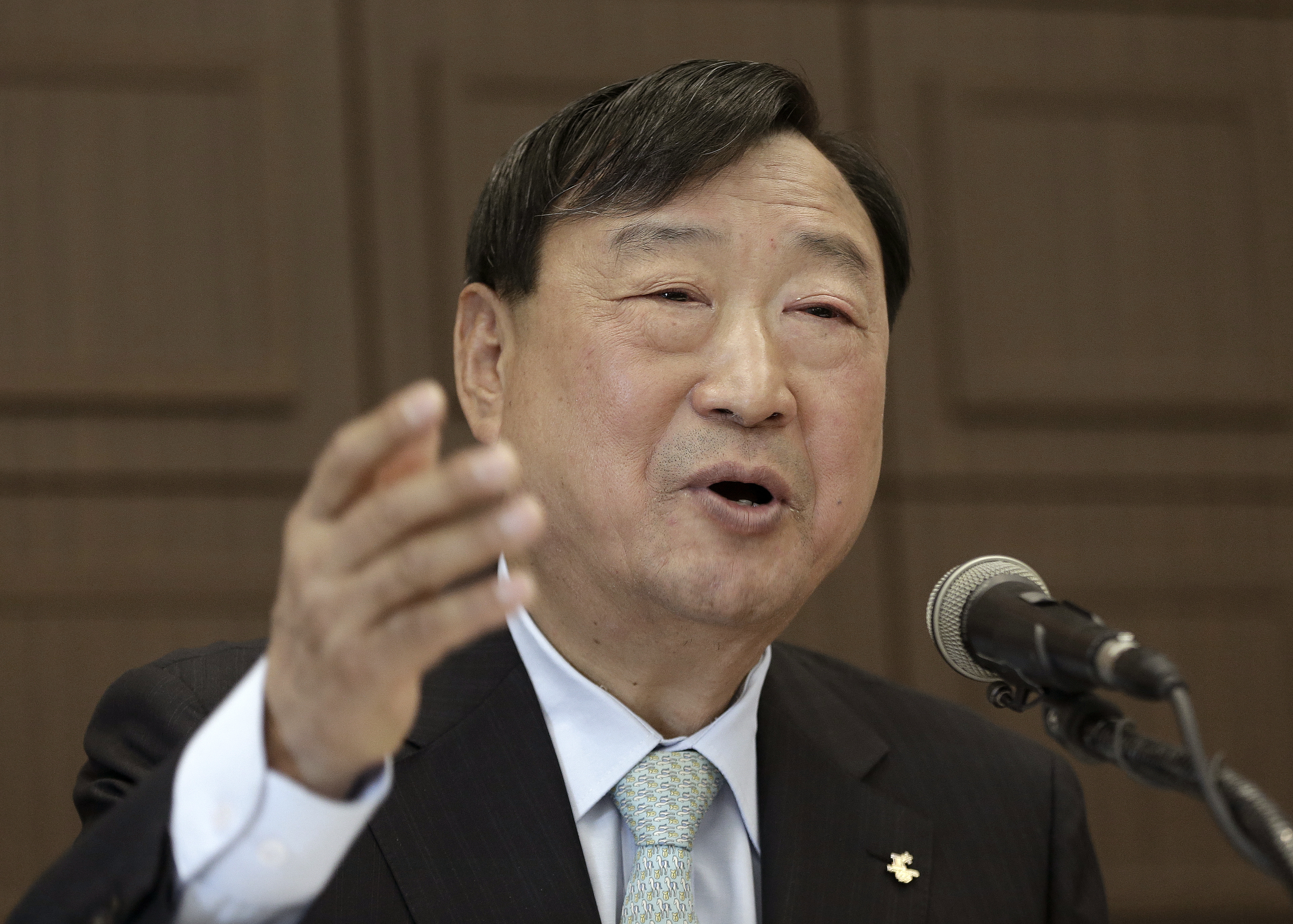 Lee Hee-beom, new chief organizer for the 2018 Winter Olympics in Pyeongchang, speaks during a press conference in Seoul, South Korea, Friday, May 20, 2016. Lee says preparations are on track with less than two years to go despite lingering concerns over