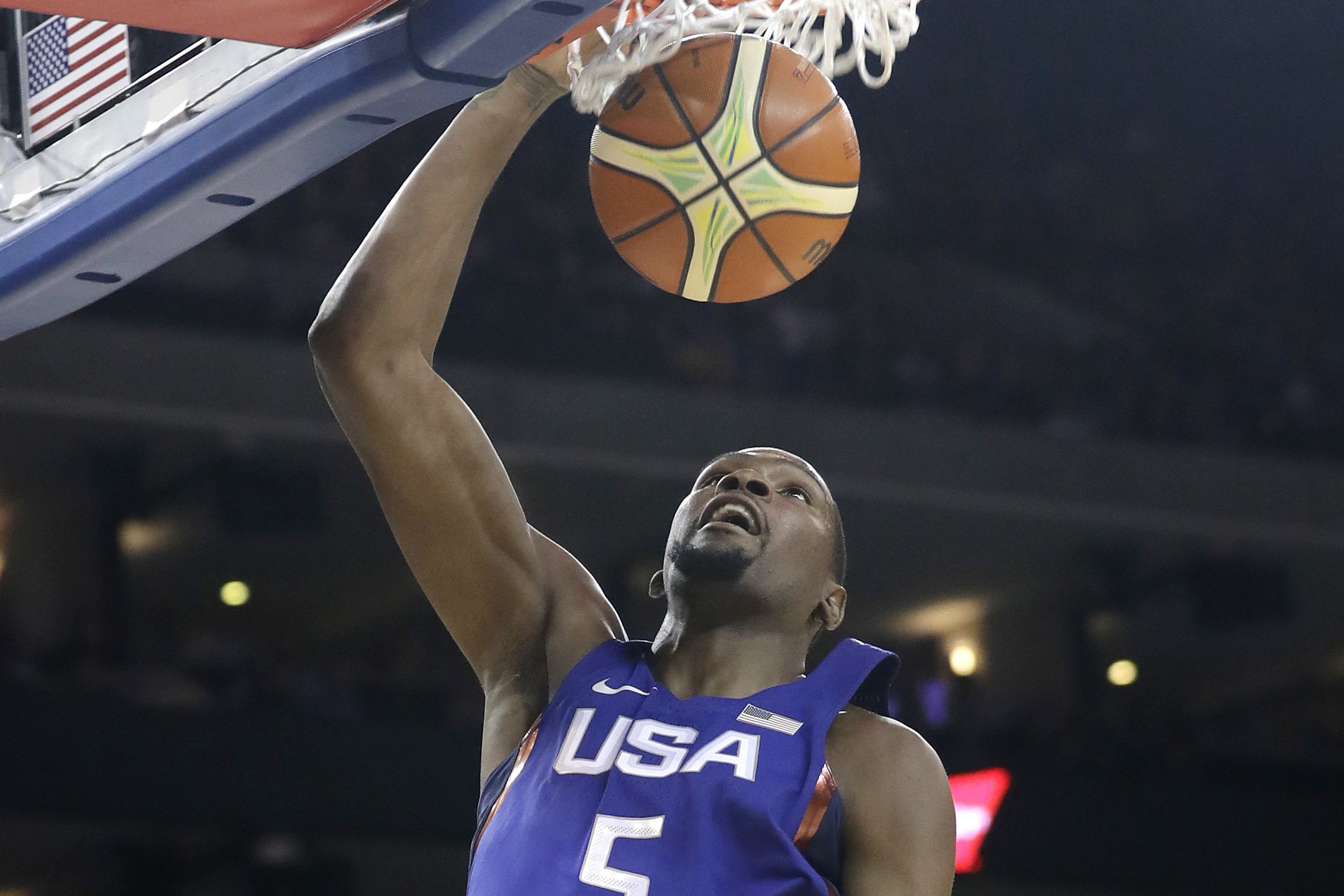 United States' Kevin Durant dunks against China during the first half of an exhibition basketball game Tuesday, July 26, 2016, in Oakland, Calif. (AP Photo/Marcio Jose Sanchez)